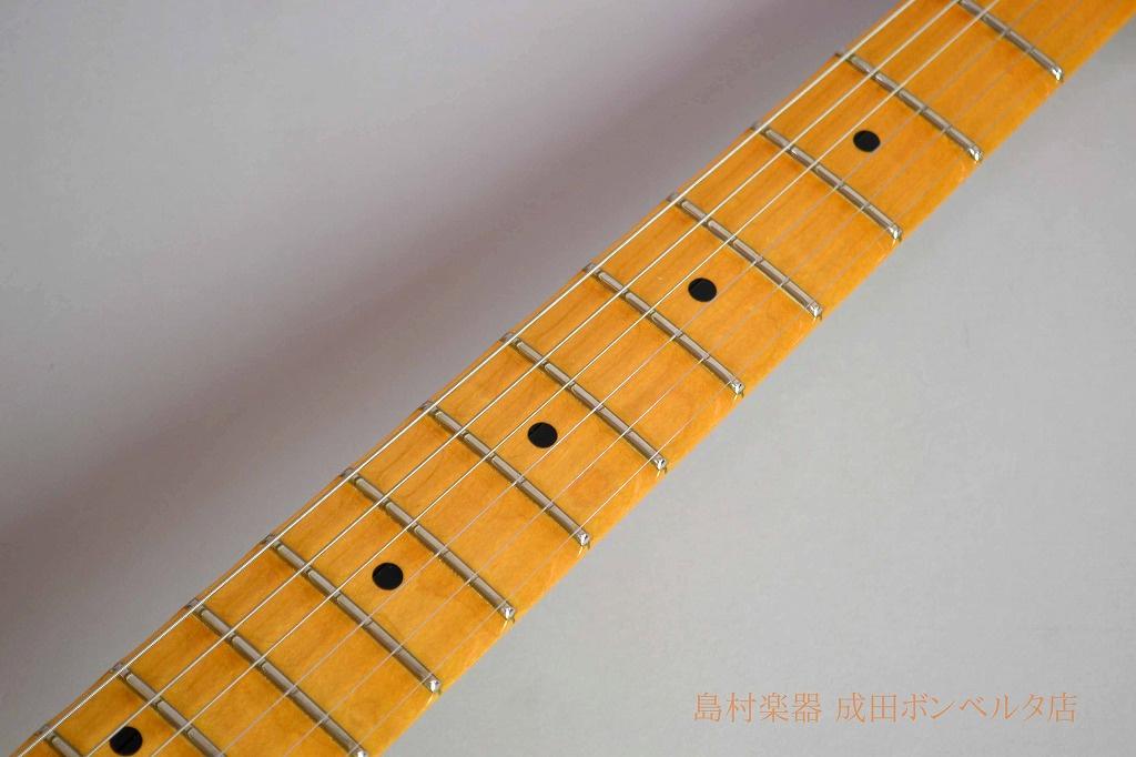 Yngwie Malmsteen Stratocasterの全体画像(縦)