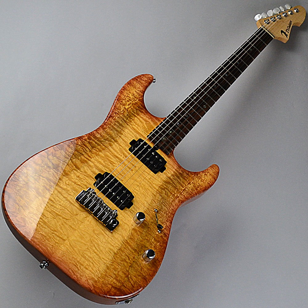 DST-22 Custom/2tone Quilt Maple/Tea Burstのボディトップ-アップ画像