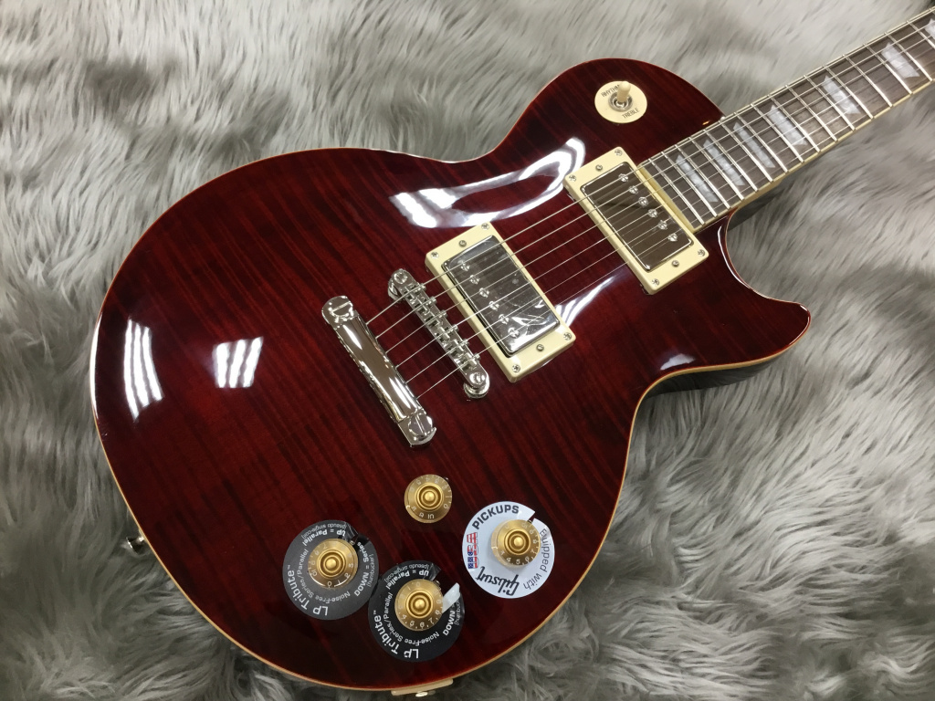 Les Paul Tribute Plus Outfit Black Cherryのボディトップ-アップ画像