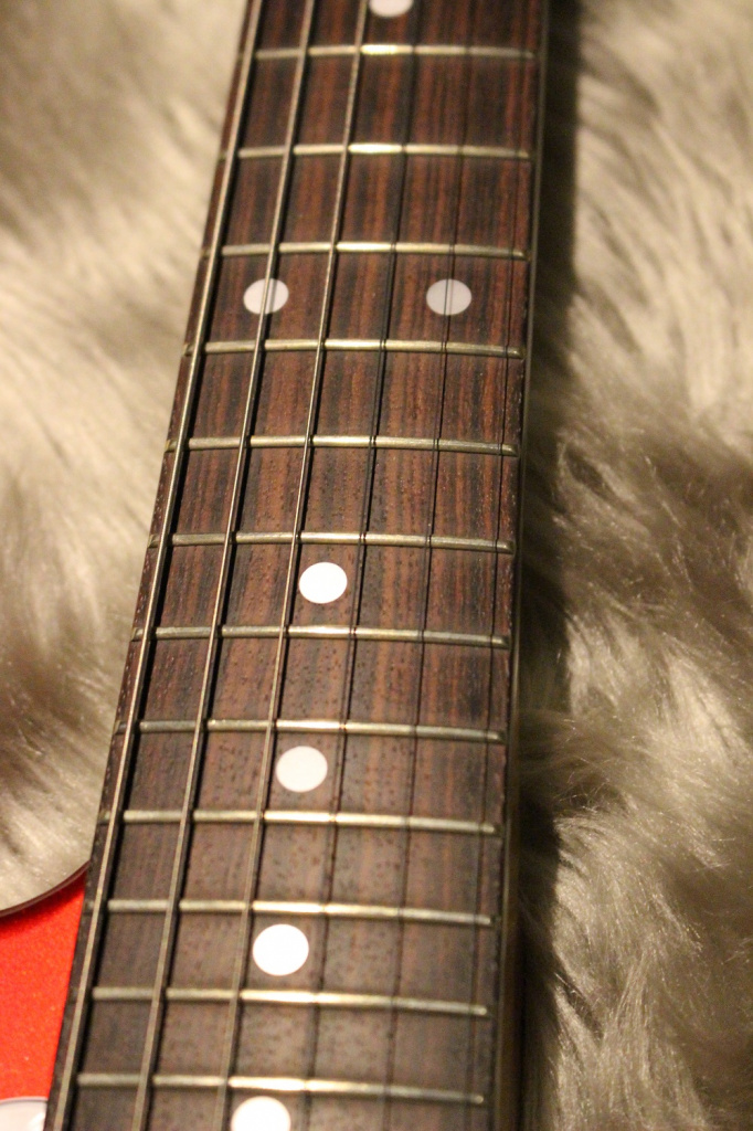 Fender TRAD 70S MUSTANG MATCHING HEAD(CAR)の指板画像