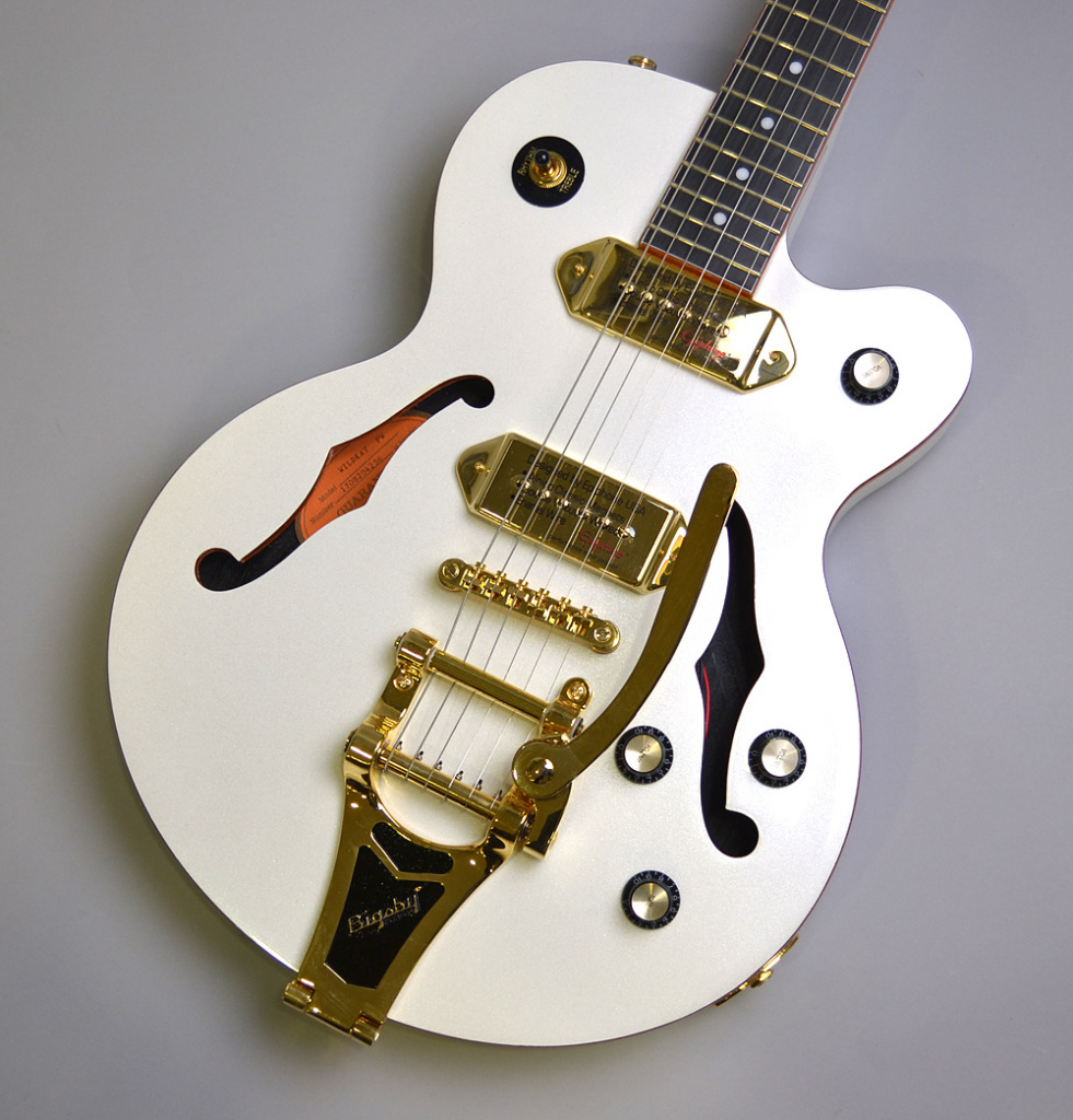 Wildkat Royale Pearl White with Bigsby