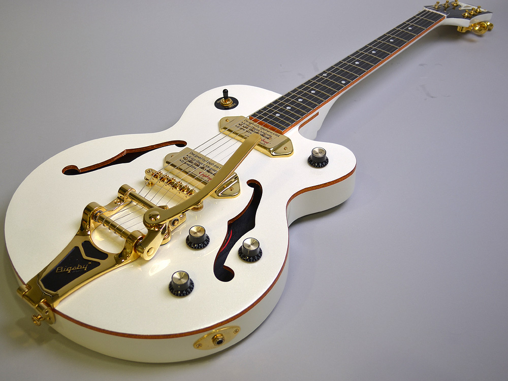 Wildkat Royale Pearl White with Bigsbyのボディバック-アップ画像