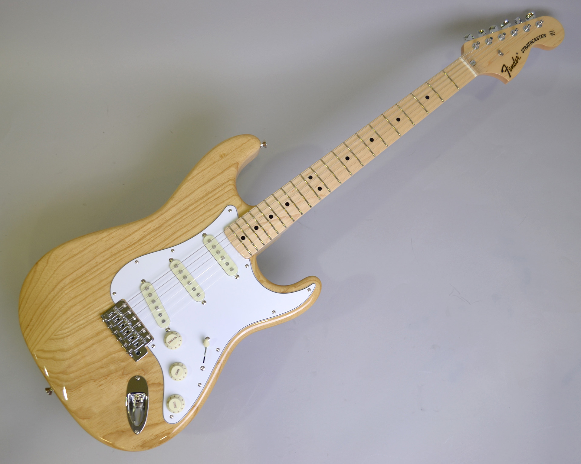 MADE IN JAPAN TRADITIONAL 70S STRATCASTER ASH MAPLEのボディトップ-アップ画像