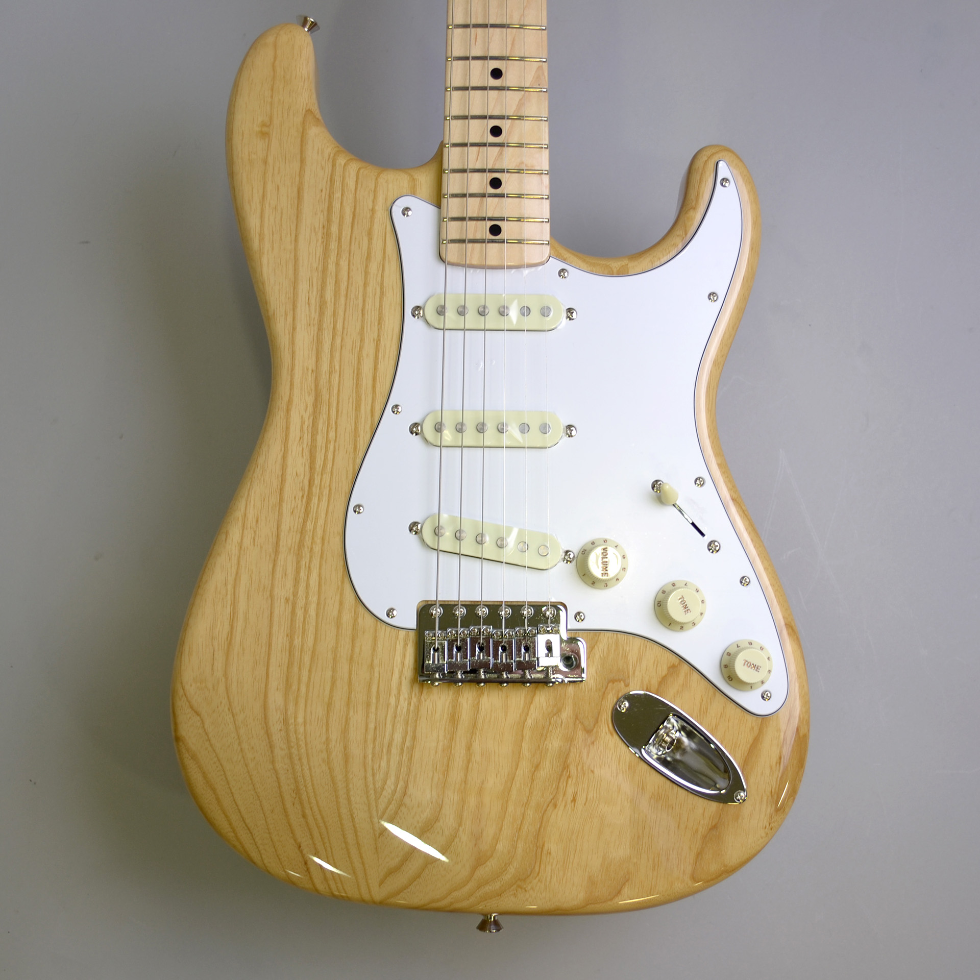 MADE IN JAPAN TRADITIONAL 70S STRATCASTER ASH MAPLEの指板画像