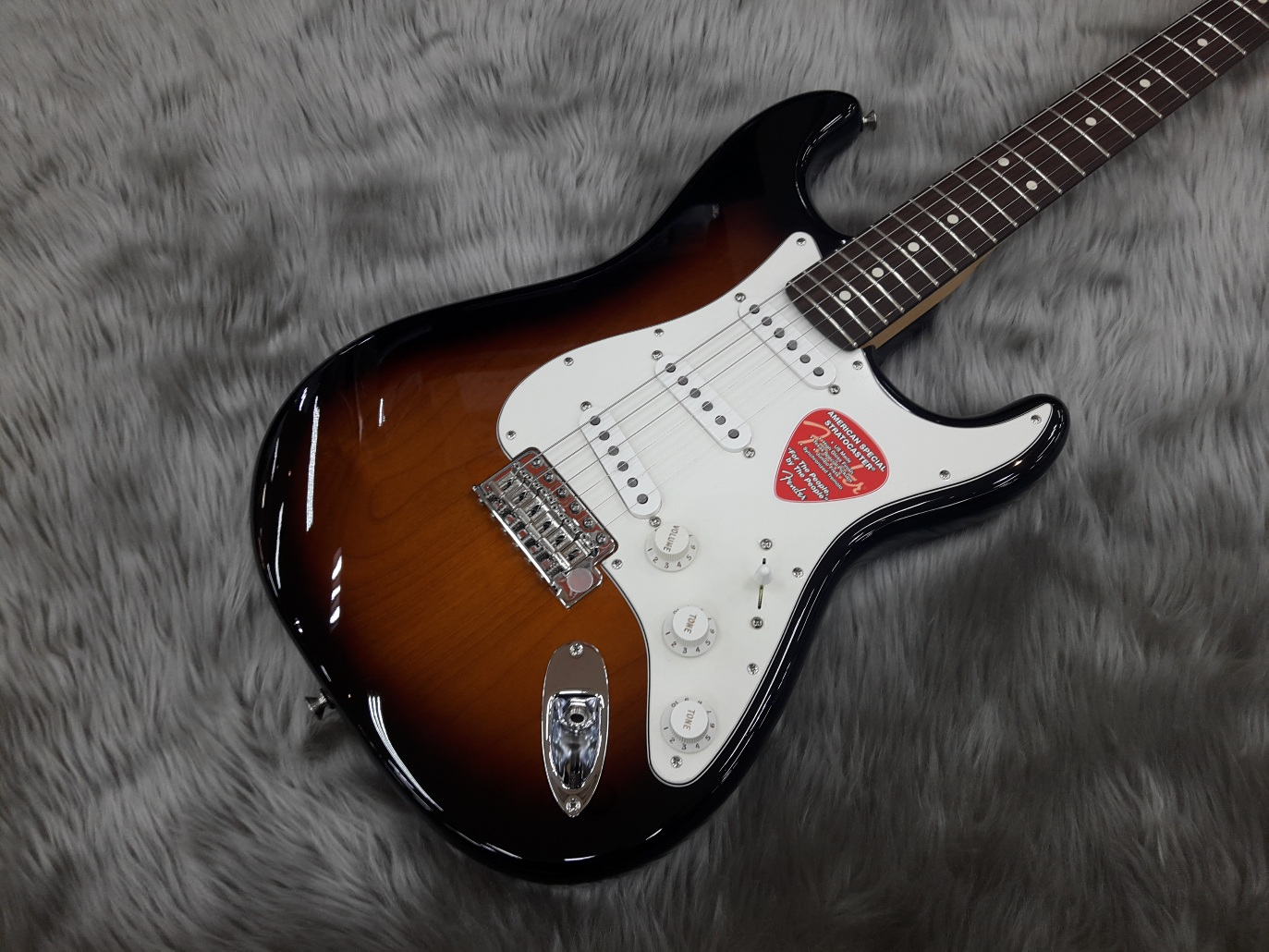 American Special Stratocaster RW