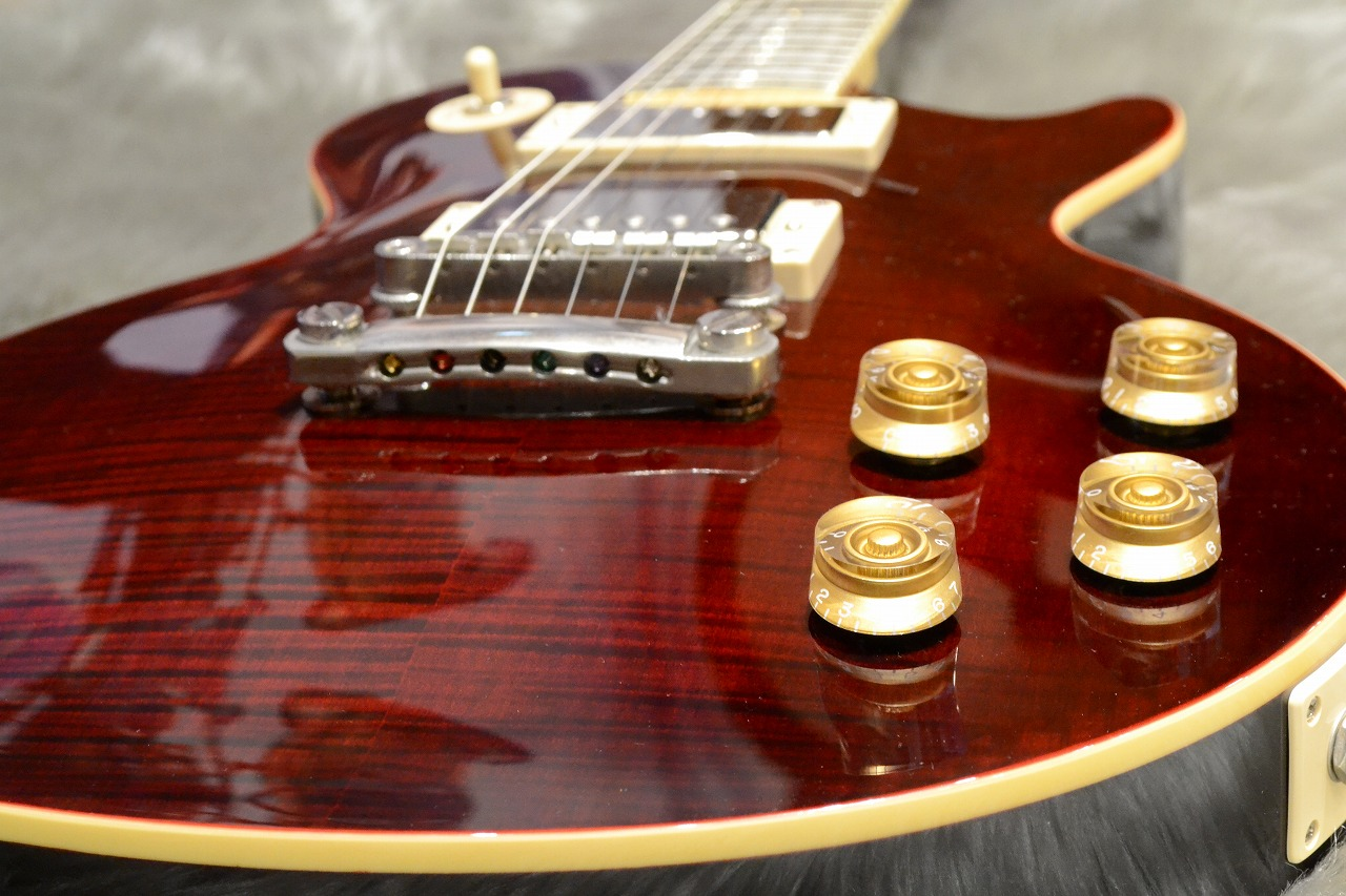"""Les Paul """"TRIBUTE"""" Plus Outfitのボディトップ-アップ画像"""