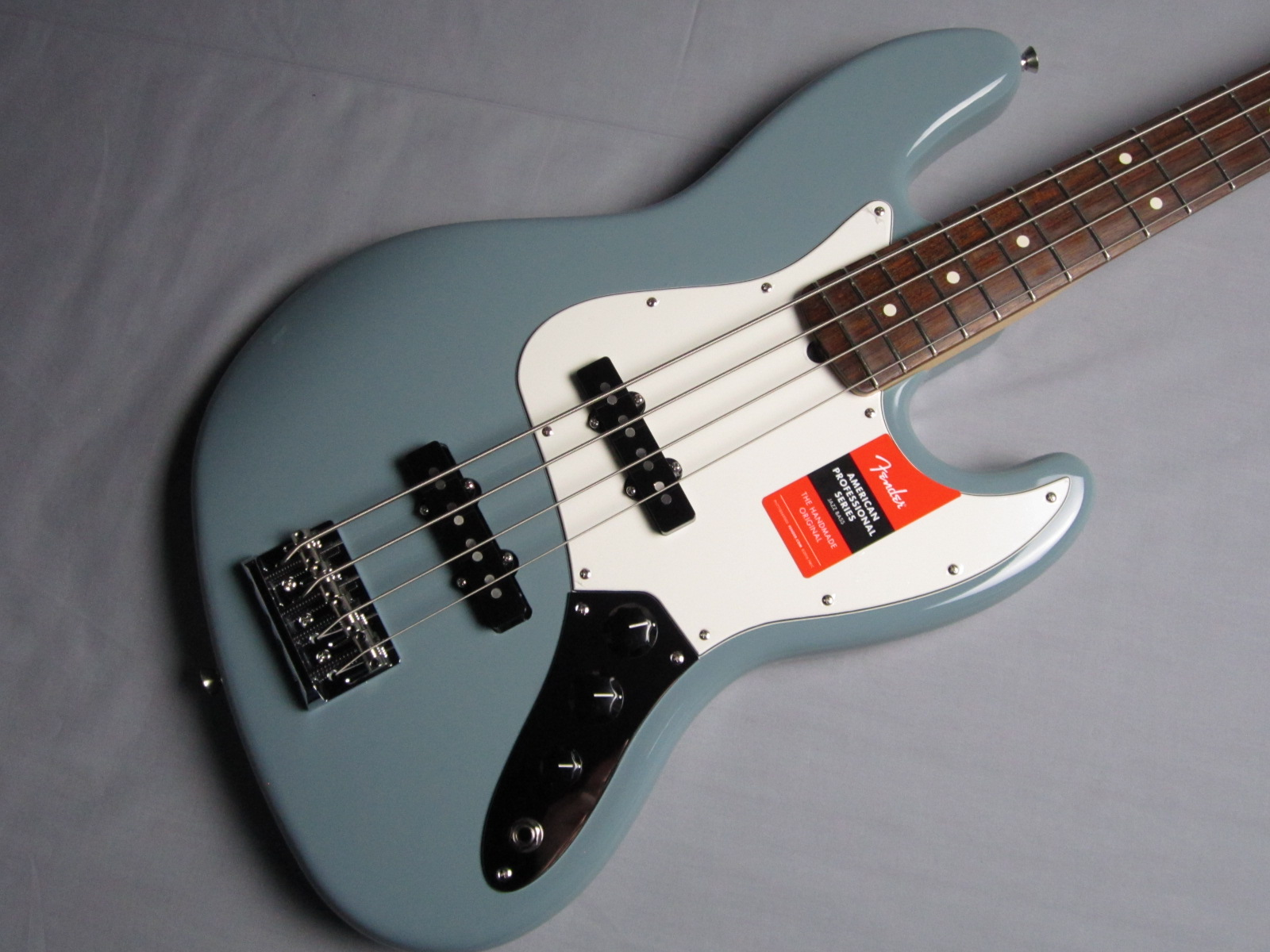 American Pro Jazz Bass Rosewood Fingerboardの全体画像