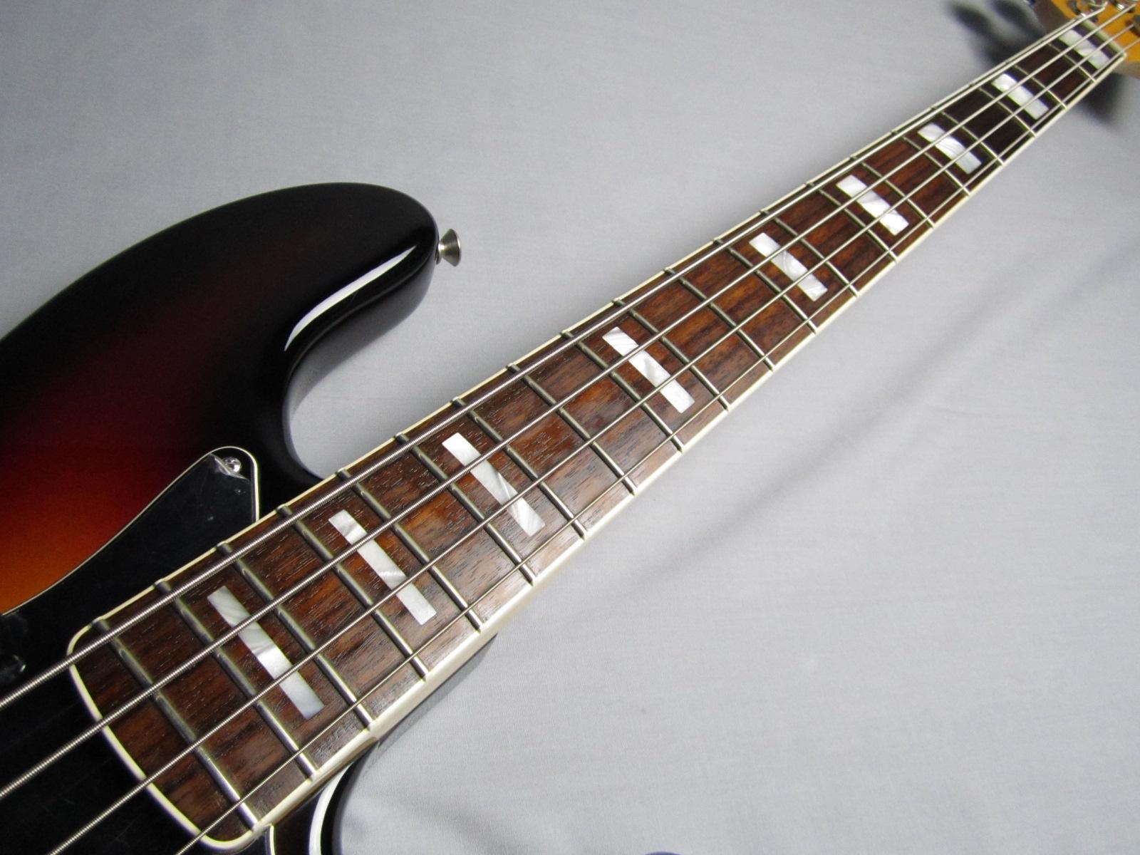 American Vintage '74 Jazz Bass / Rosewoodの指板画像