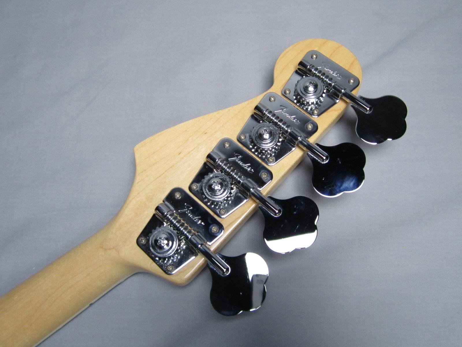 American Vintage '74 Jazz Bass / Rosewoodのヘッド裏-アップ画像