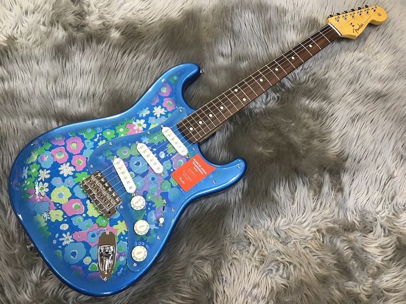 Traditional 60s Stratocaster (Blue Flower)のボディトップ-アップ画像