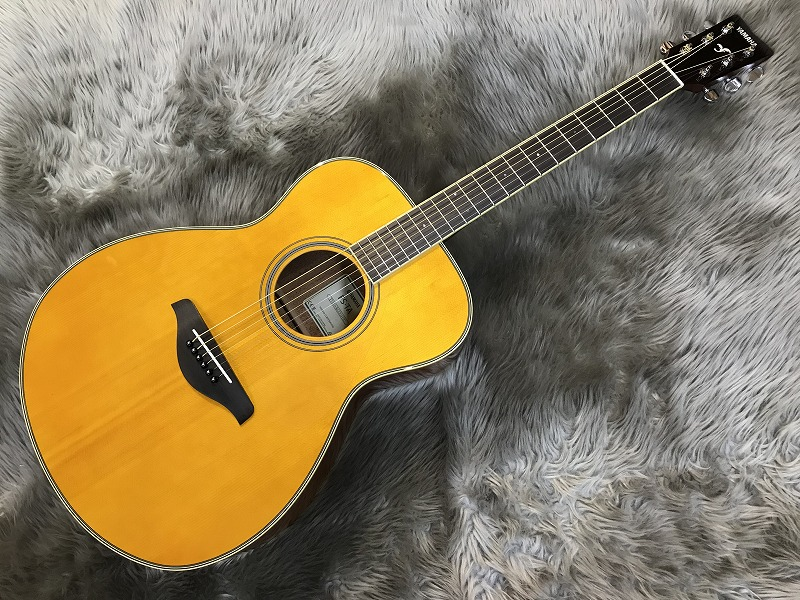 FS-TA トランスアコースティック™ギターのボディトップ-アップ画像