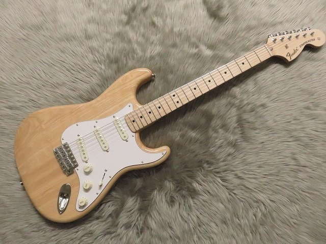 TRADITIONAL 70S STRATOCASTER® ASHのボディトップ-アップ画像