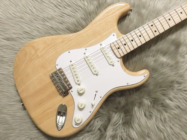 TRADITIONAL 70S STRATOCASTER® ASH