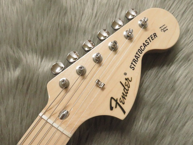TRADITIONAL 70S STRATOCASTER® ASHのヘッド画像
