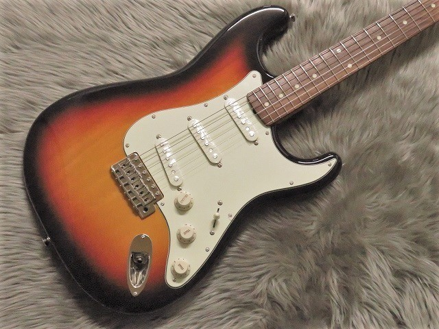 TRADITIONAL 60S STRATOCASTER®