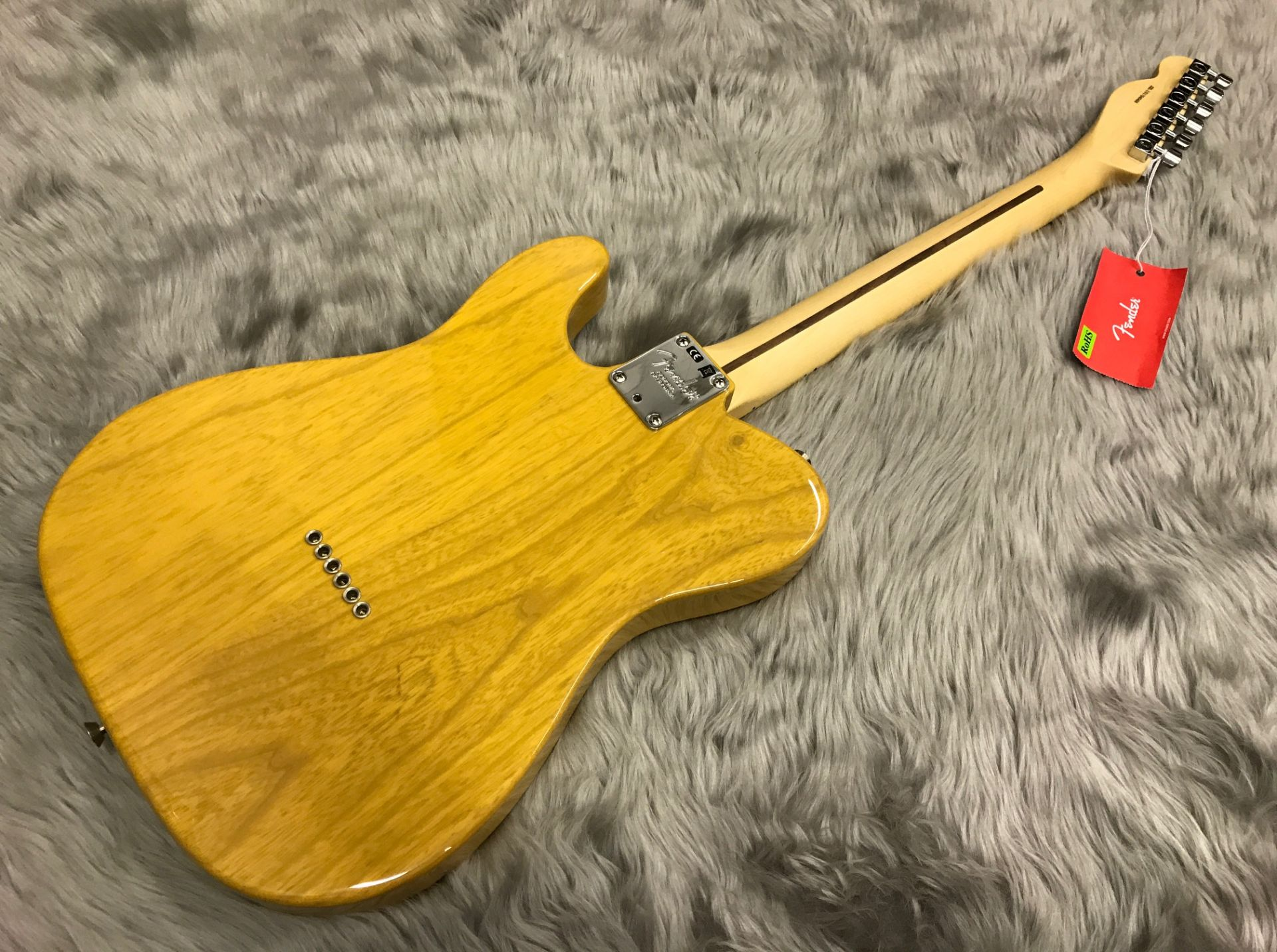 AMERICAN PROFESSIONAL TELECASTER MN ASHのボディトップ-アップ画像