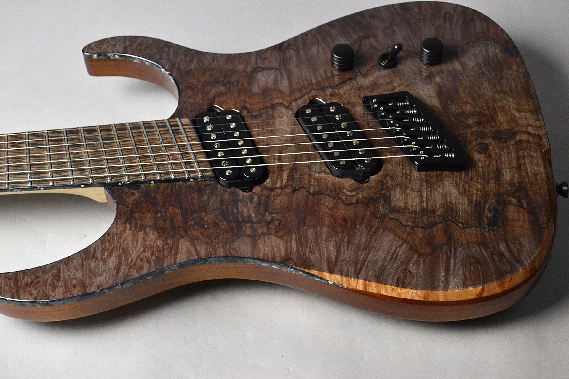 Hypemacine 7 Spalted Maple Topの全体画像(縦)