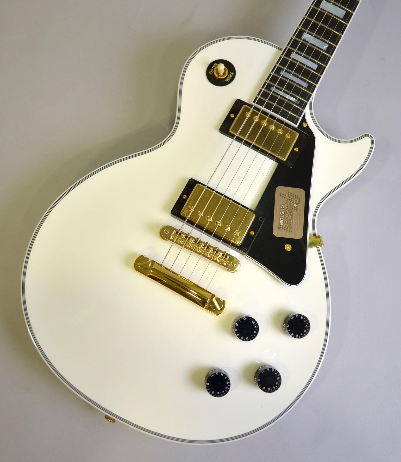 Les Paul Custom【Alpine White】のボディトップ-アップ画像