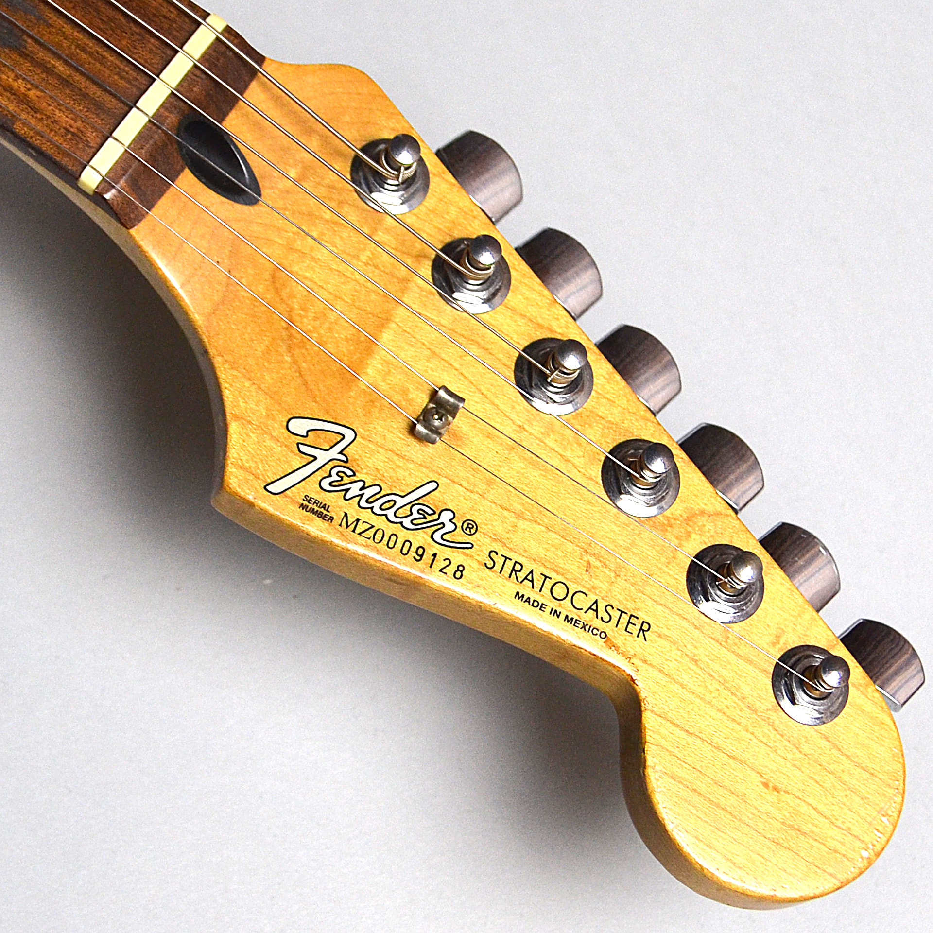 MEX standard stratocasterのヘッド画像