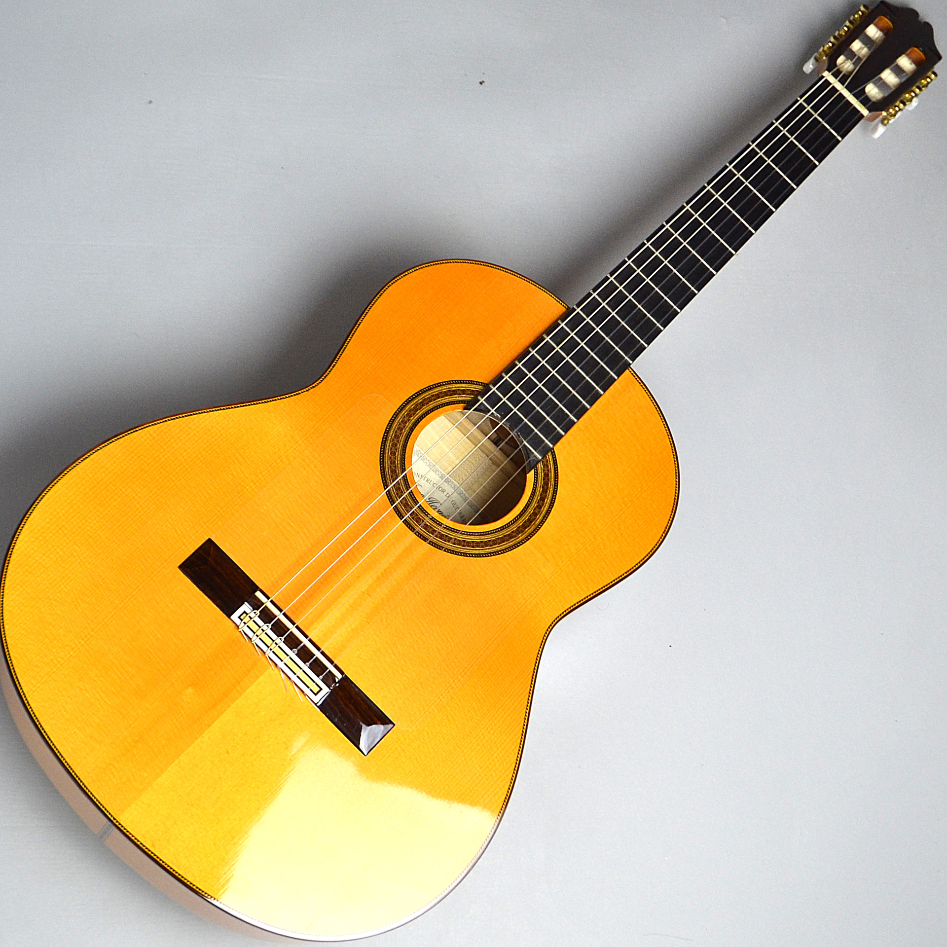 Estudio Flamencaのボディトップ-アップ画像