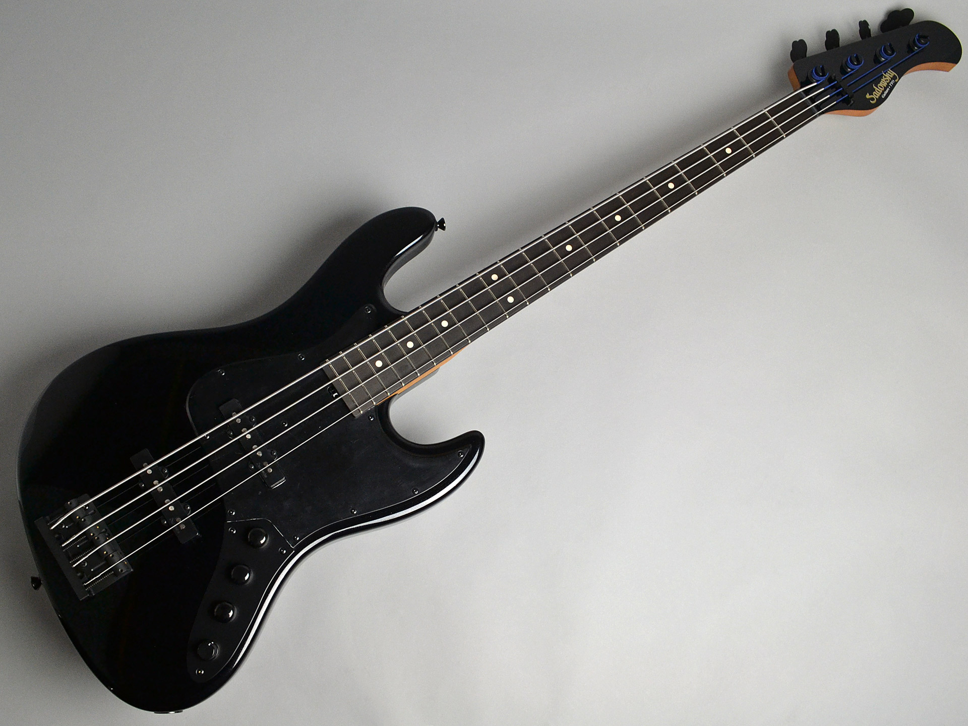 Modern Edge 4string J Bass