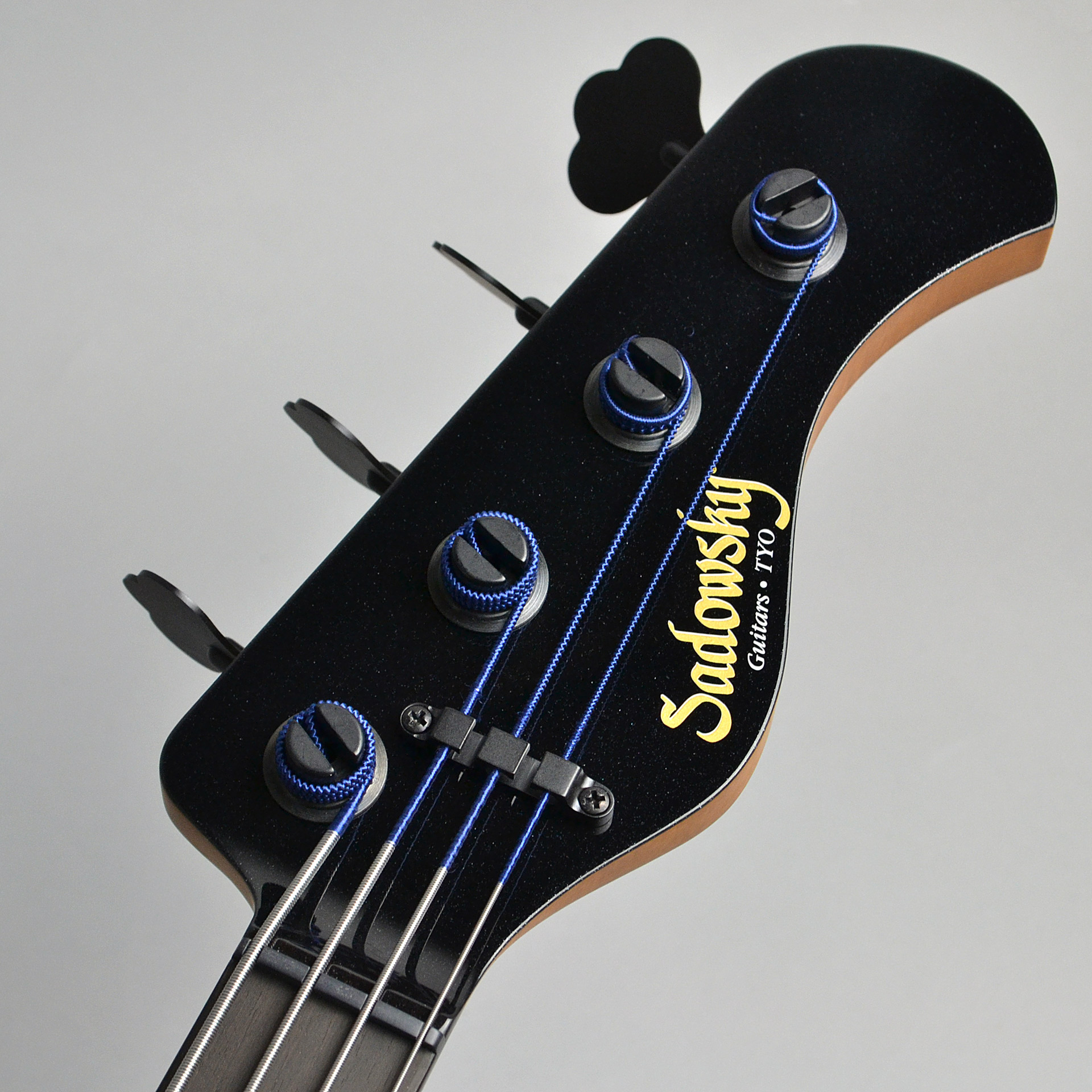Modern Edge 4string J Bassのヘッド画像