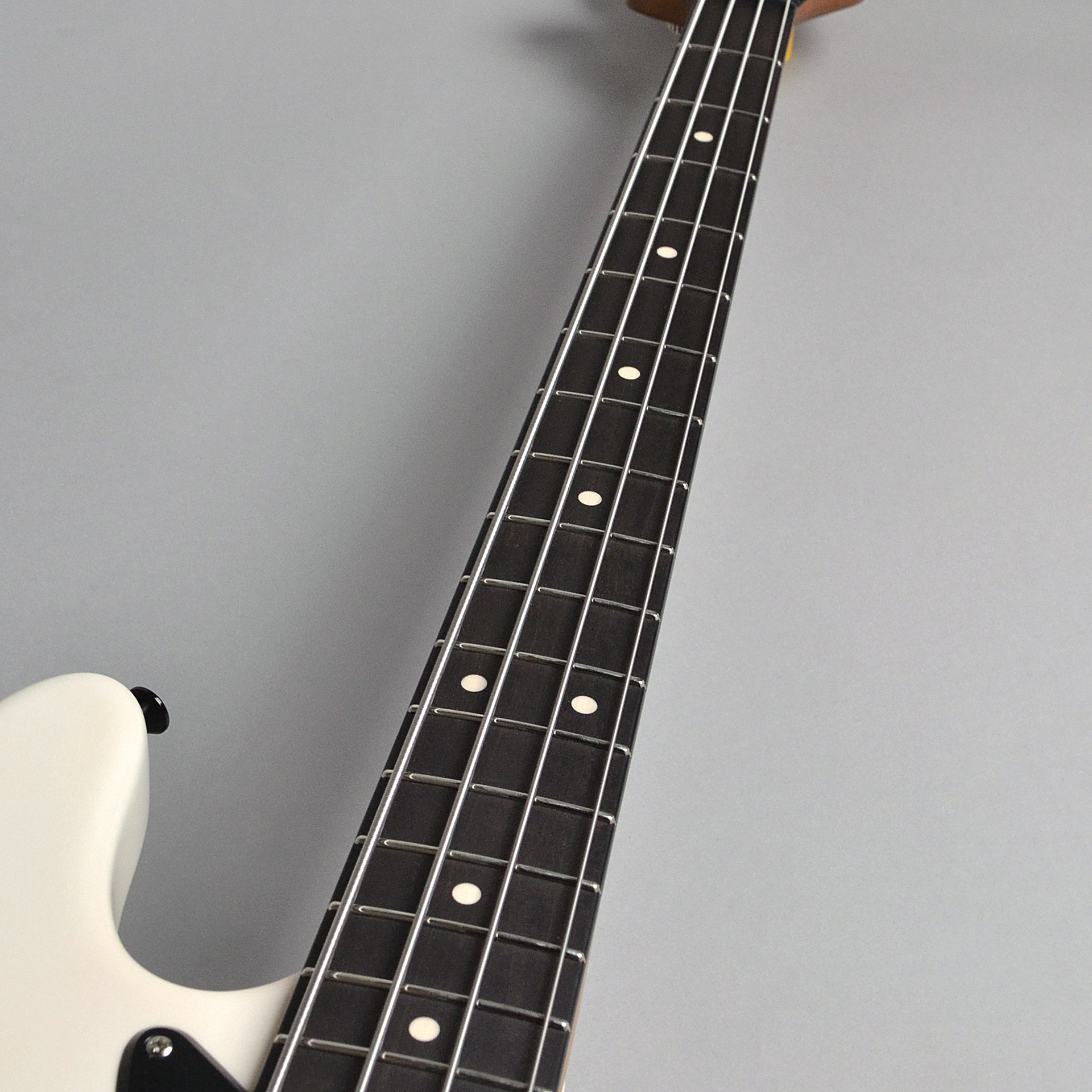 Modern Edge 4string J Bassの指板画像