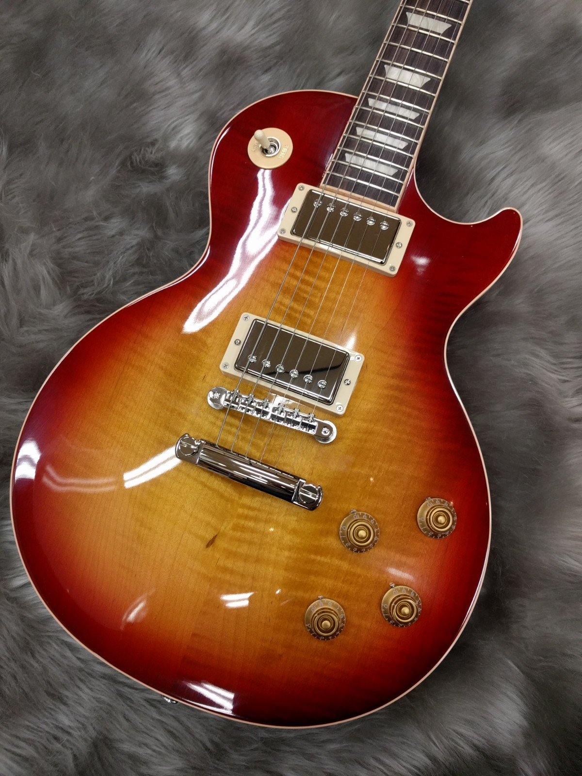 GIbson Les Paul Traditional 2018のボディトップ-アップ画像
