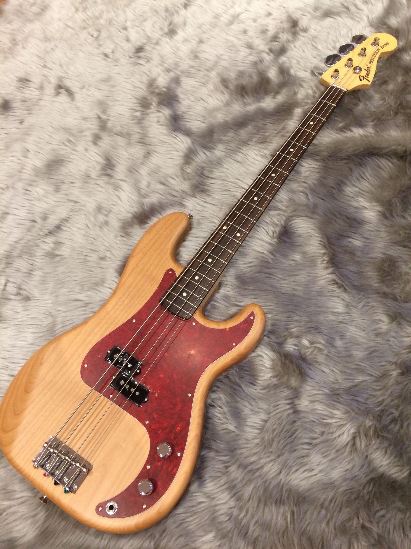 Fender  TOMOMI PRECISION BASS 写真画像