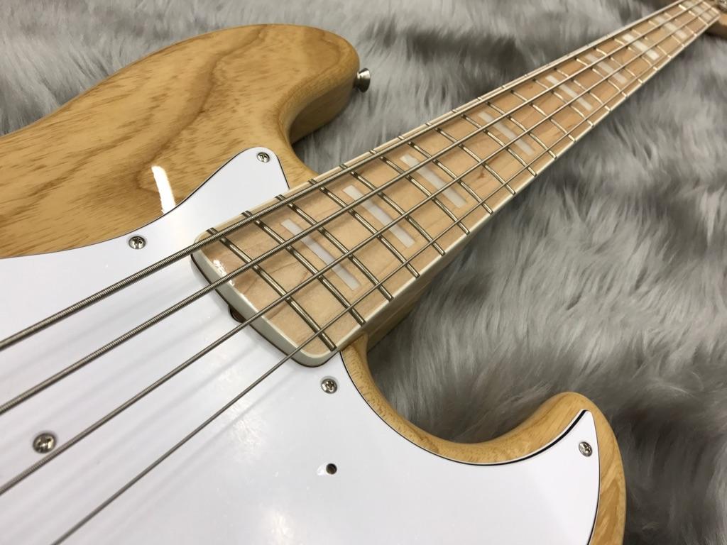 Japan Exclusive Classic 70s Jazz Bass Nat/Mの指板画像