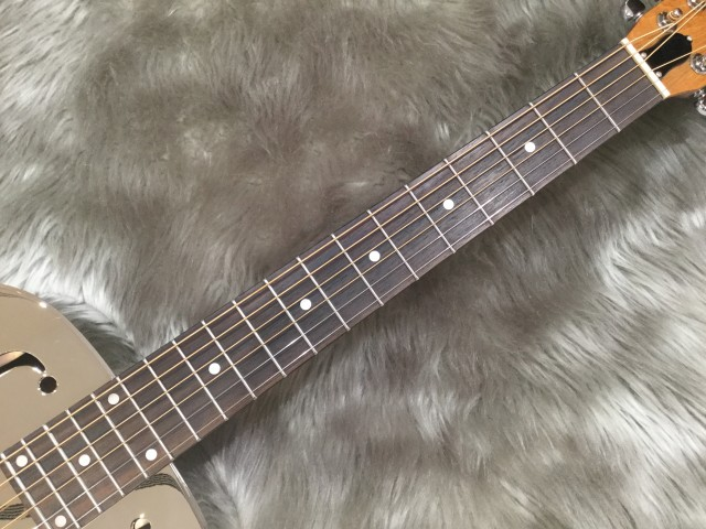 Dobro Hound Dog M-14 Metal Bodyの全体画像(縦)