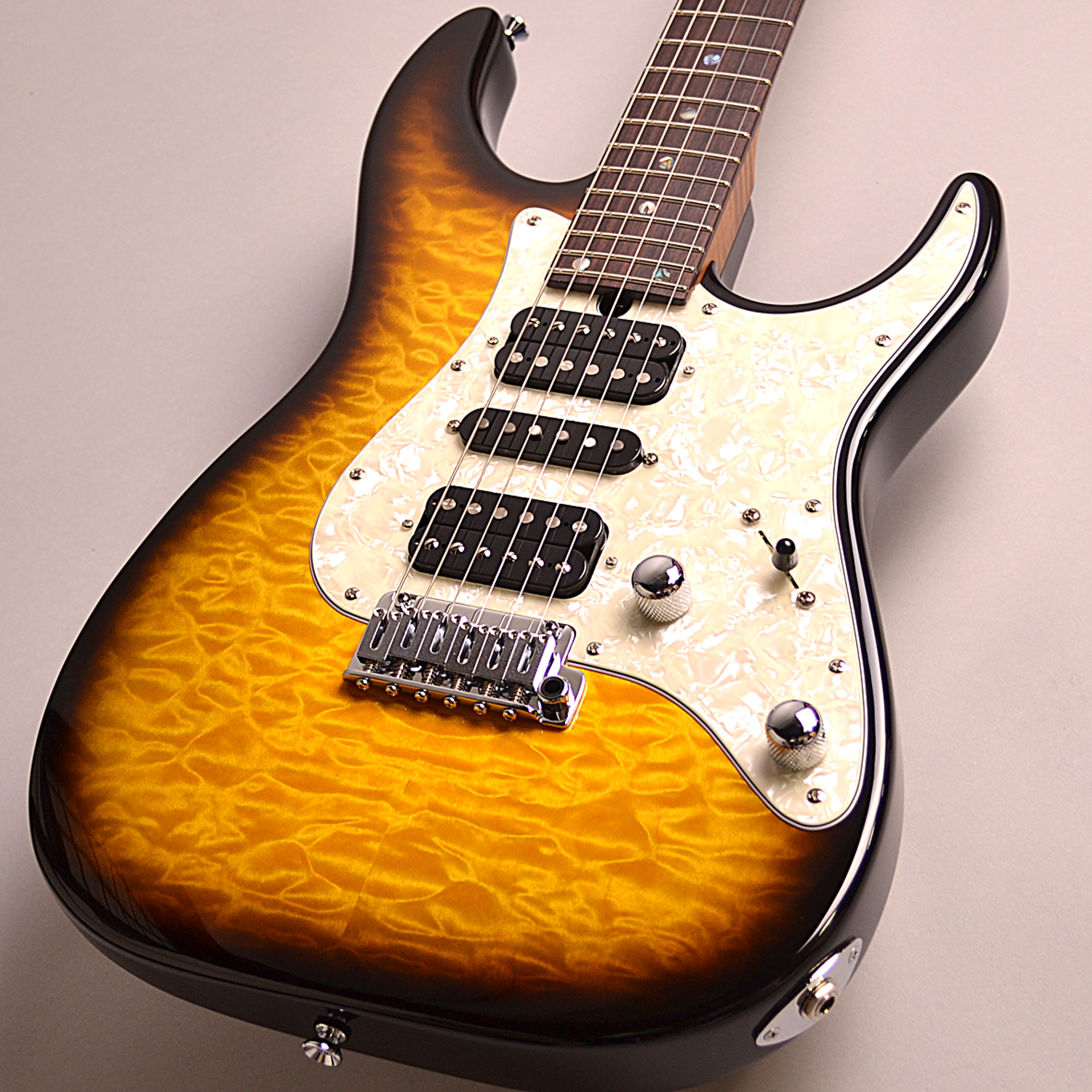 DST-Classic24F Roasted Flame Maple Neckのボディトップ-アップ画像