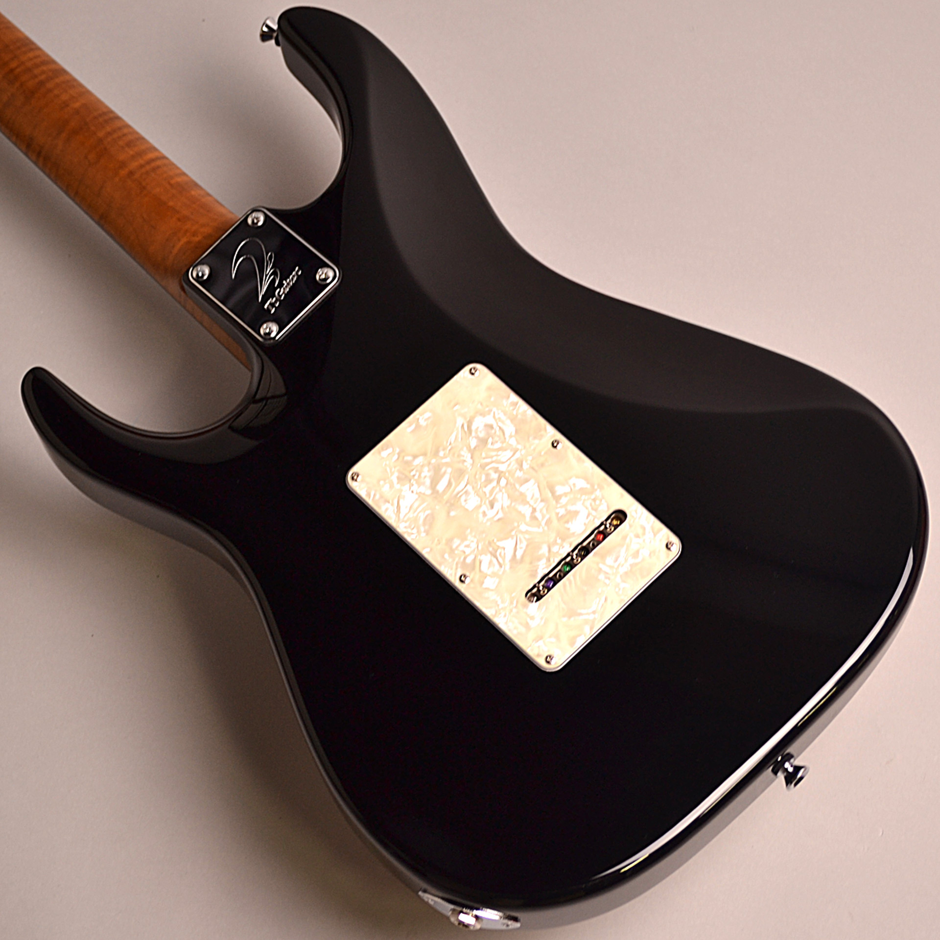 DST-Classic24F Roasted Flame Maple Neckのヘッド画像