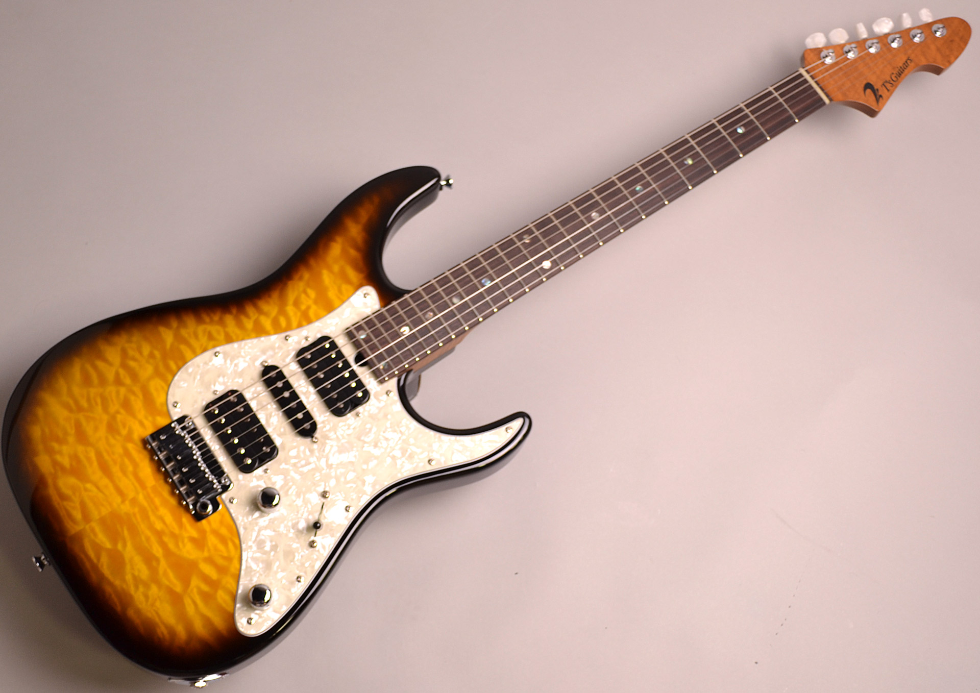 DST-Classic24F Roasted Flame Maple Neck