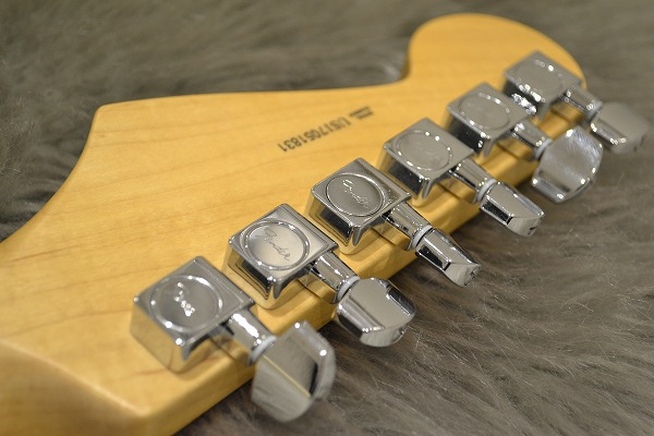 American Professional Stratocaster Rosewood Fingerboardのヘッド裏-アップ画像