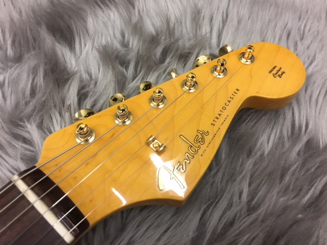 MADE IN JAPAN TRADITIONAL 60S STRATOCASTER® GOLD HARDWAREのヘッド画像
