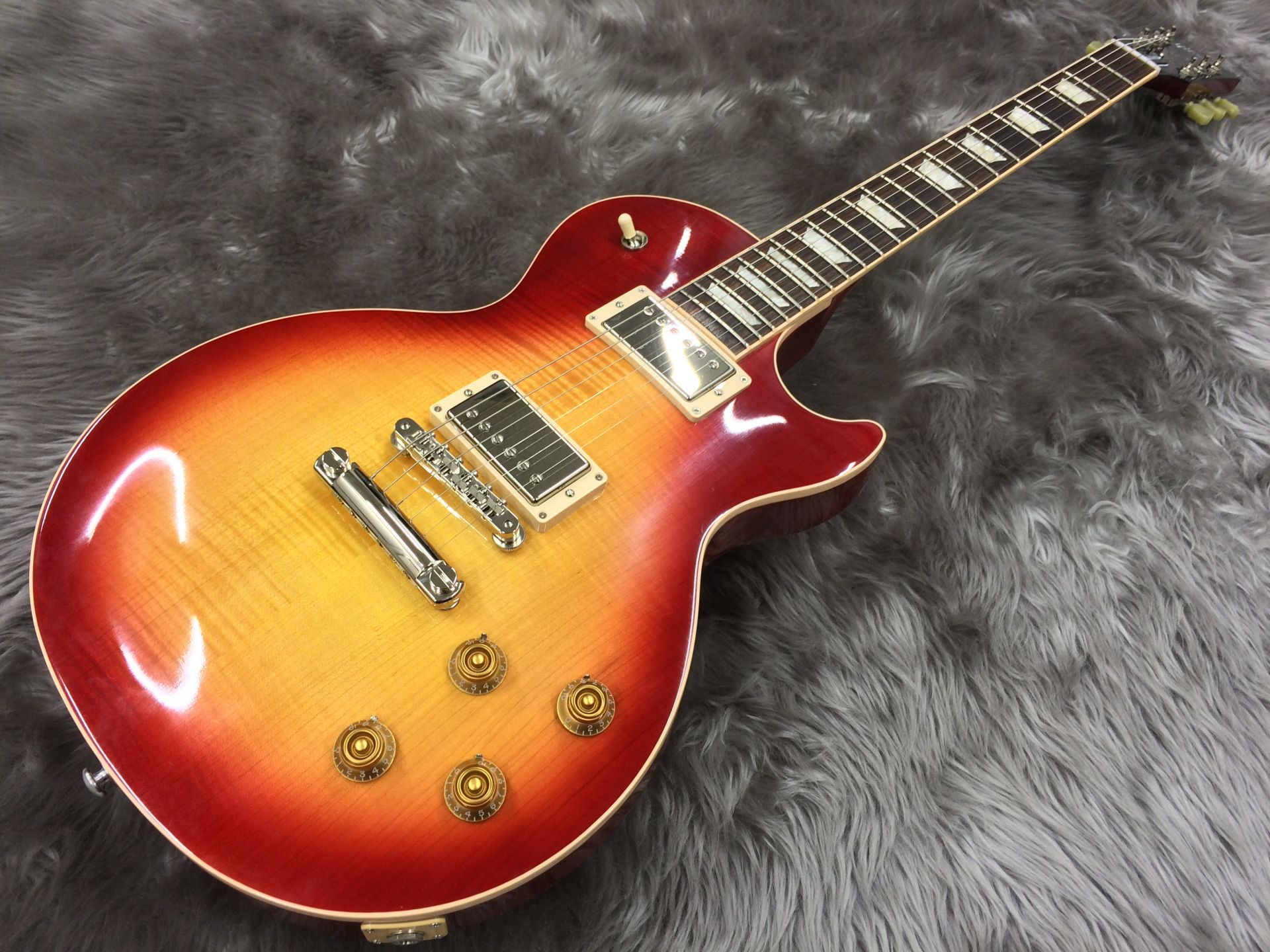 Les Paul Traditional T 2017 Heritage Cherry Sunburst