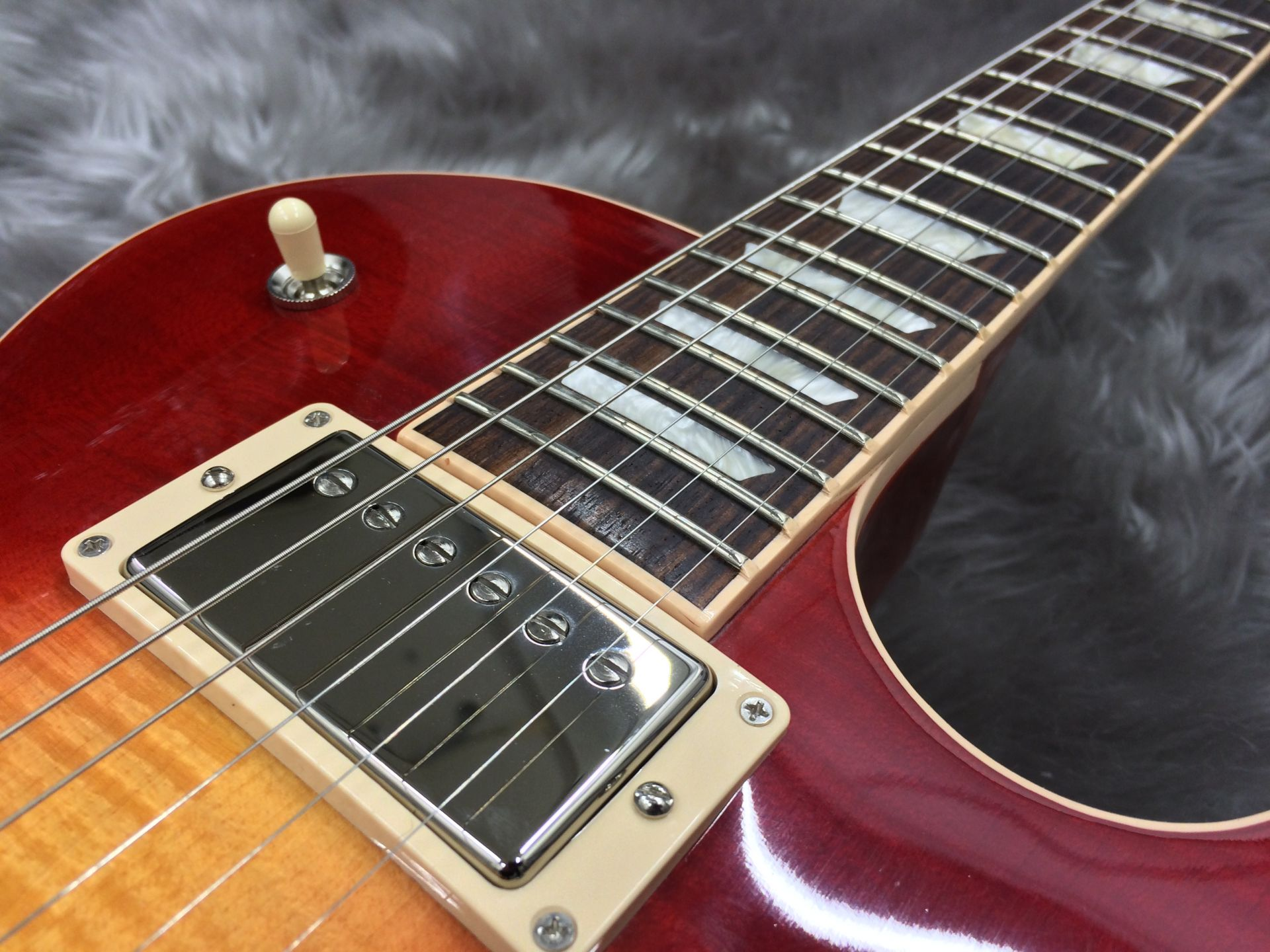 Les Paul Traditional T 2017 Heritage Cherry Sunburstの指板画像