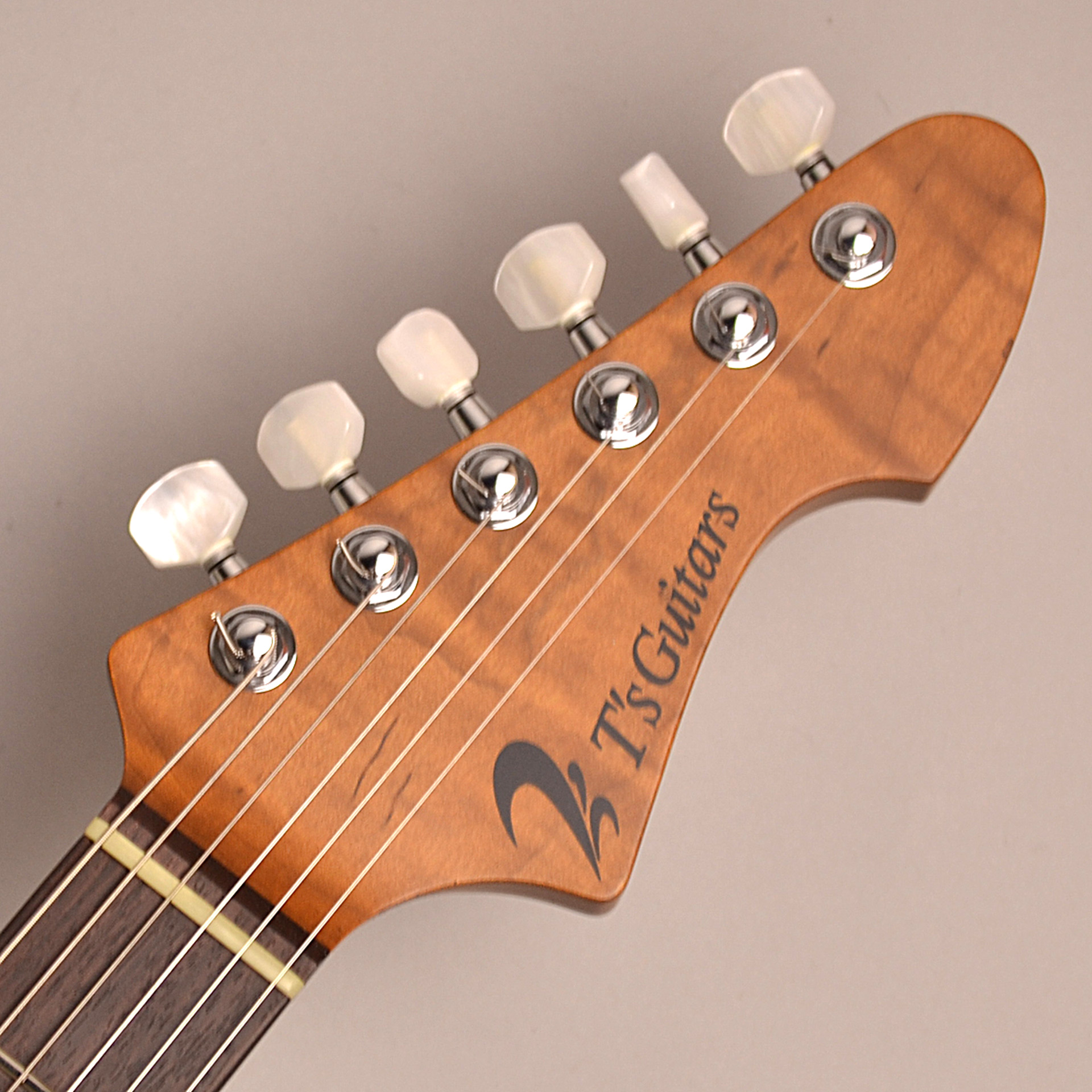 DST-Classic24F Roasted Flame Maple Neckの全体画像(縦)