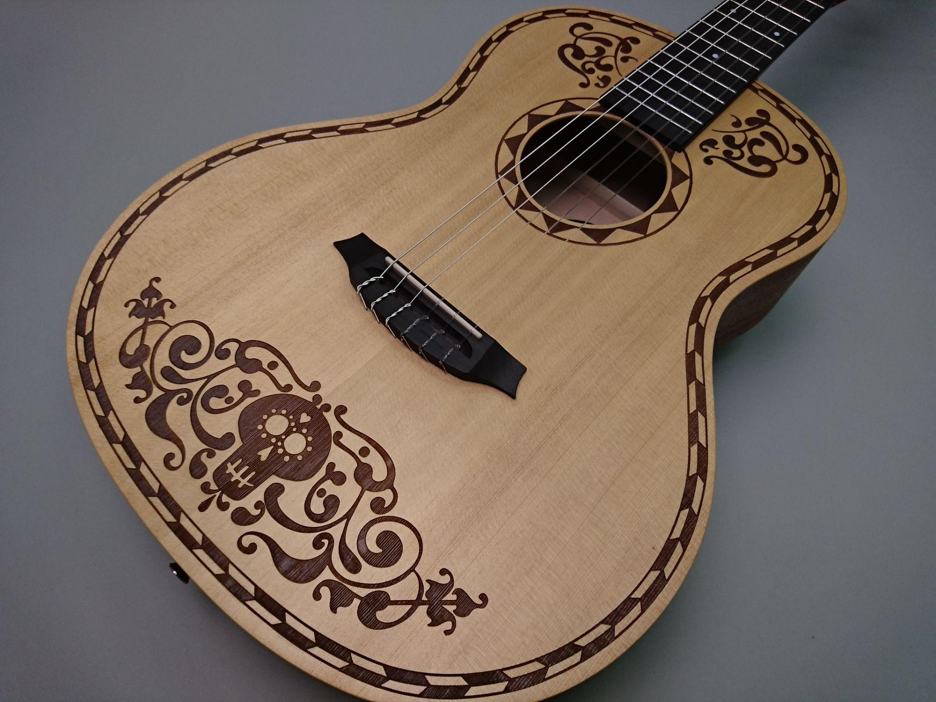 Coco Guitarのボディトップ-アップ画像
