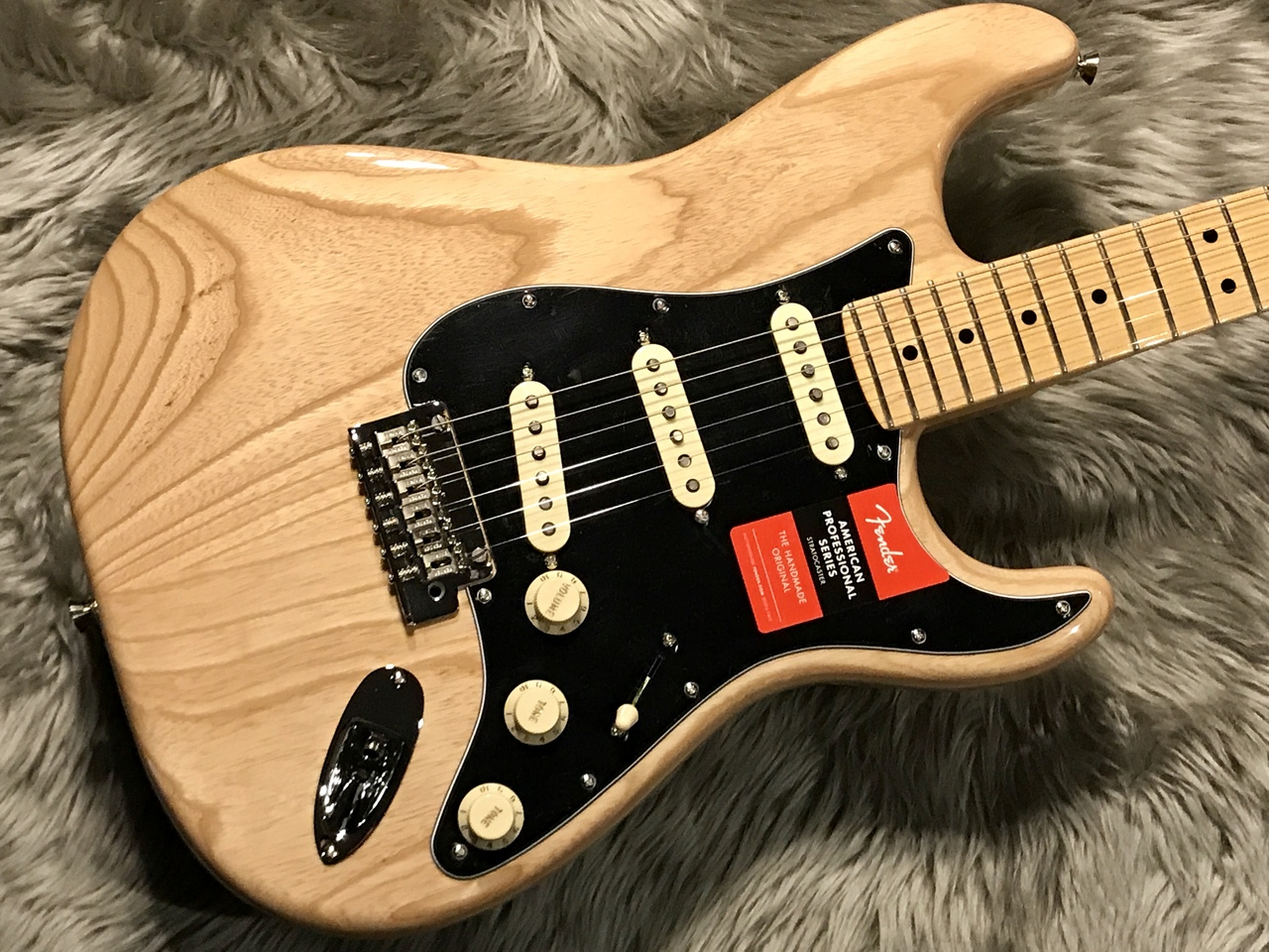 American Professional Stratocaster® (NAT)のボディトップ-アップ画像