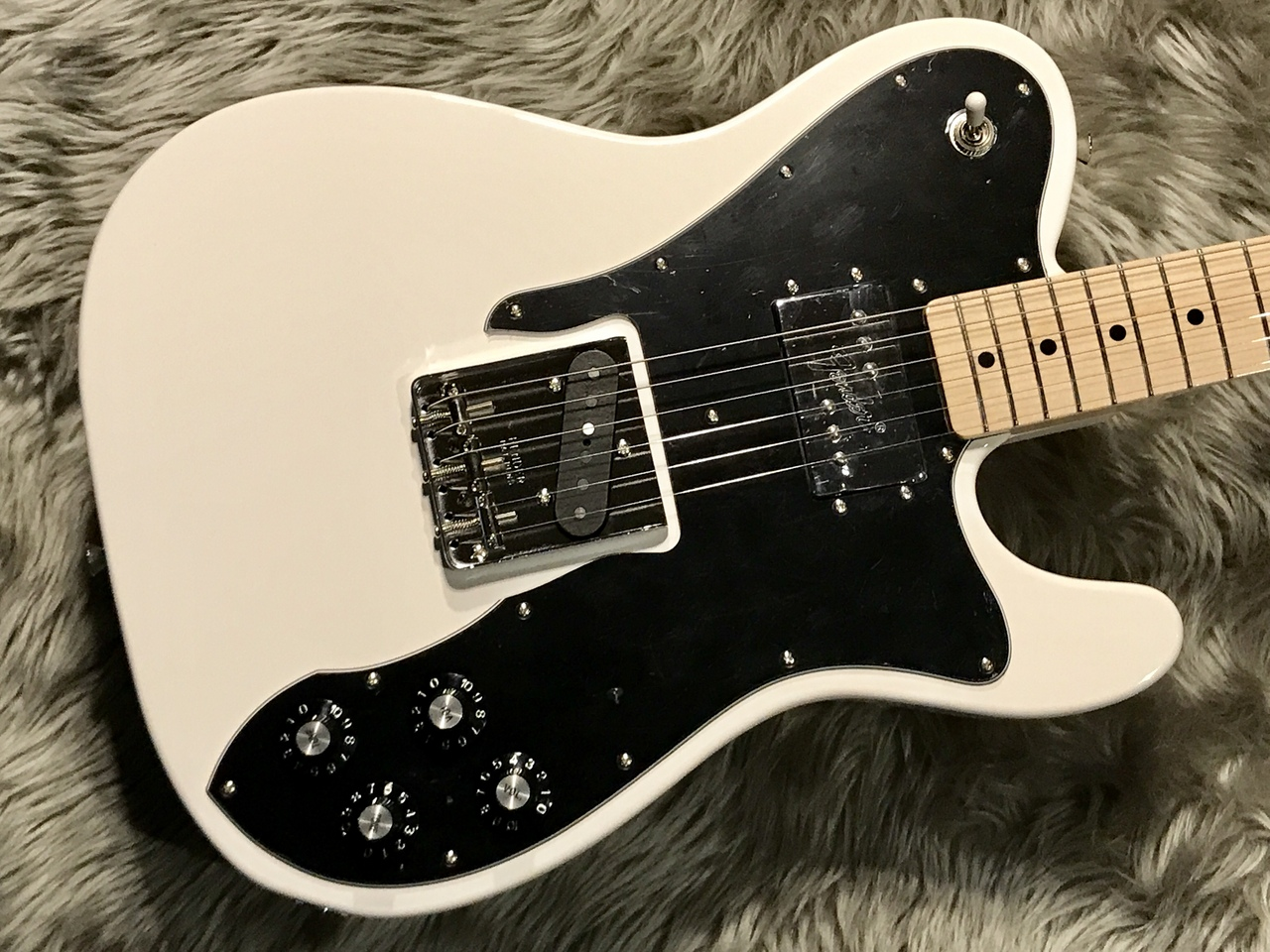MADE IN JAPAN TRADITIONAL 70S TELECASTER® CUSTOMのボディトップ-アップ画像