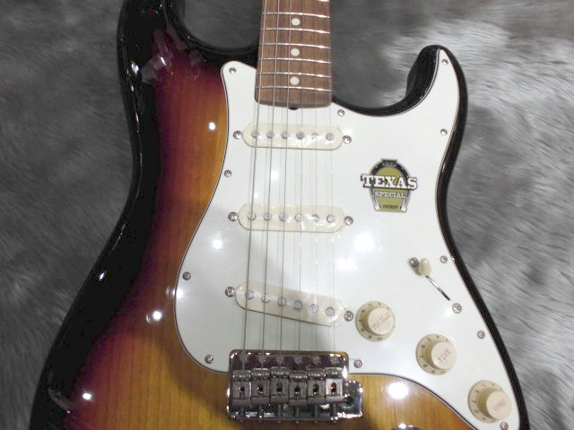 Japan Exclusive Classic 60s Stratocaster Texas Specialの全体画像(縦)