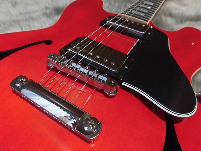 ES-335のボディトップ-アップ画像