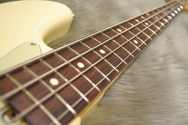 American Professional  Jazz Bassの指板画像