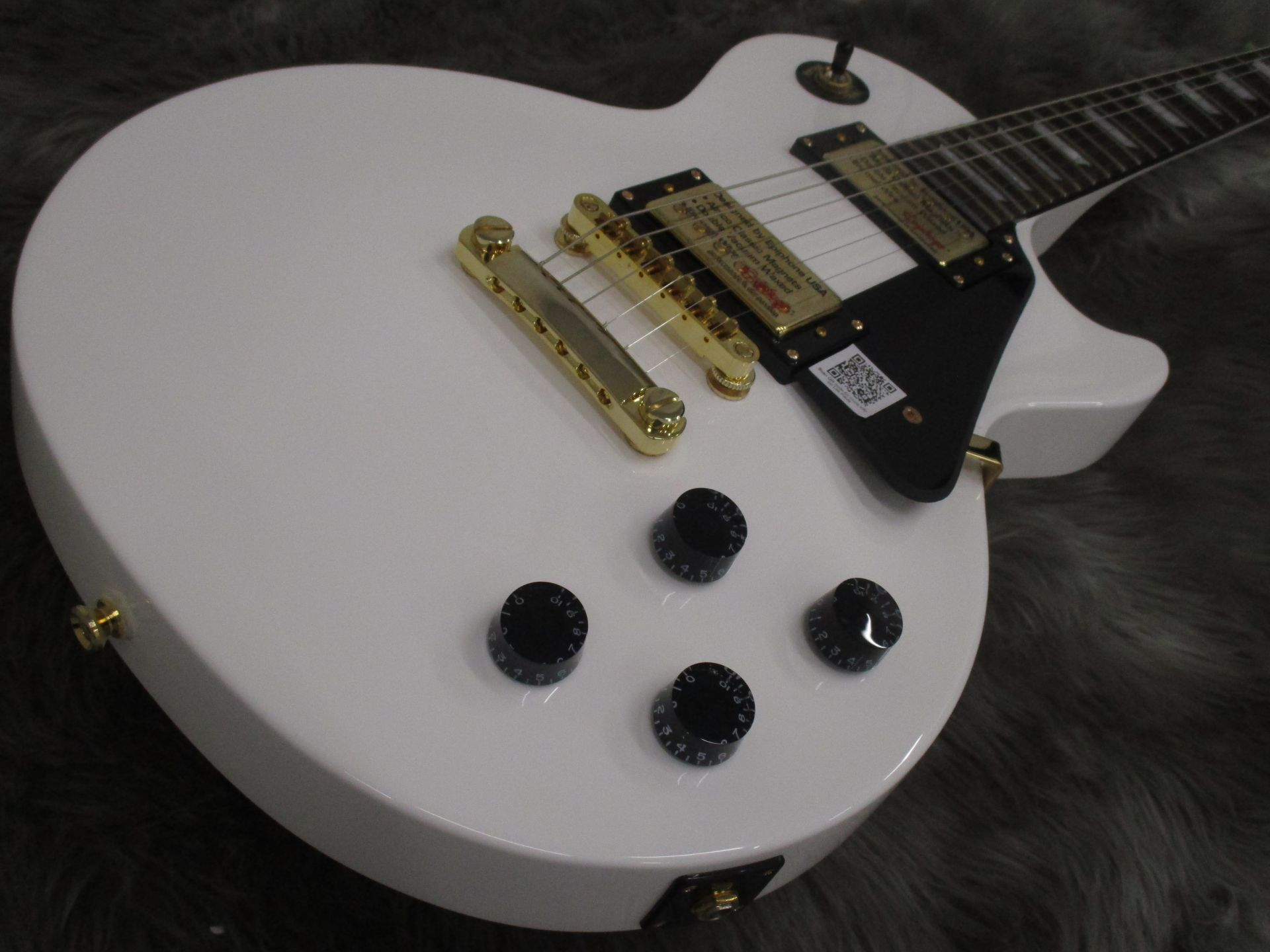 Limited Les Paul Studio Deluxe Alpine Whiteのケース・その他画像