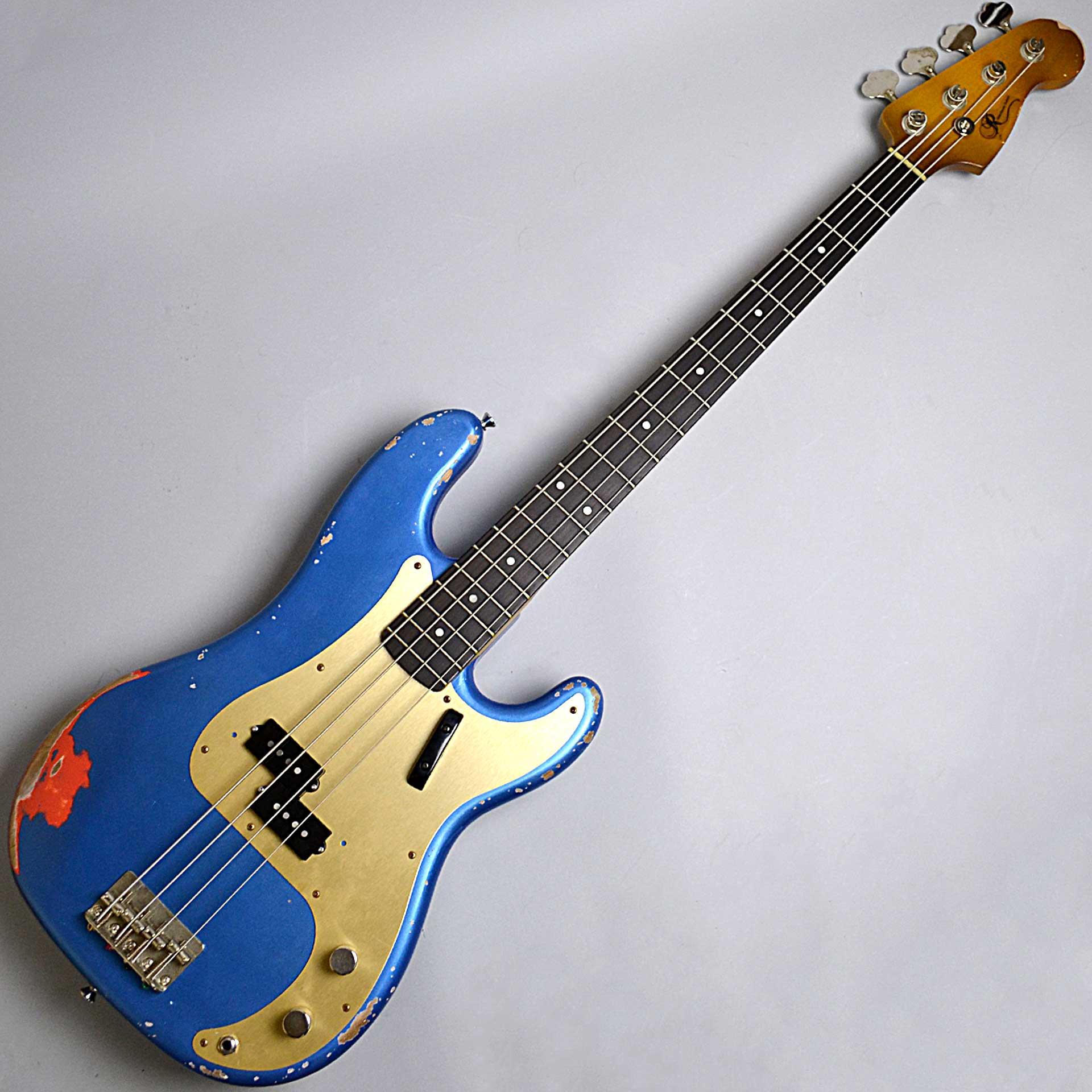 P-BASS/Lake Placid Blue over Fiesta Red/Alder/Rose/Midium Agedのボディトップ-アップ画像