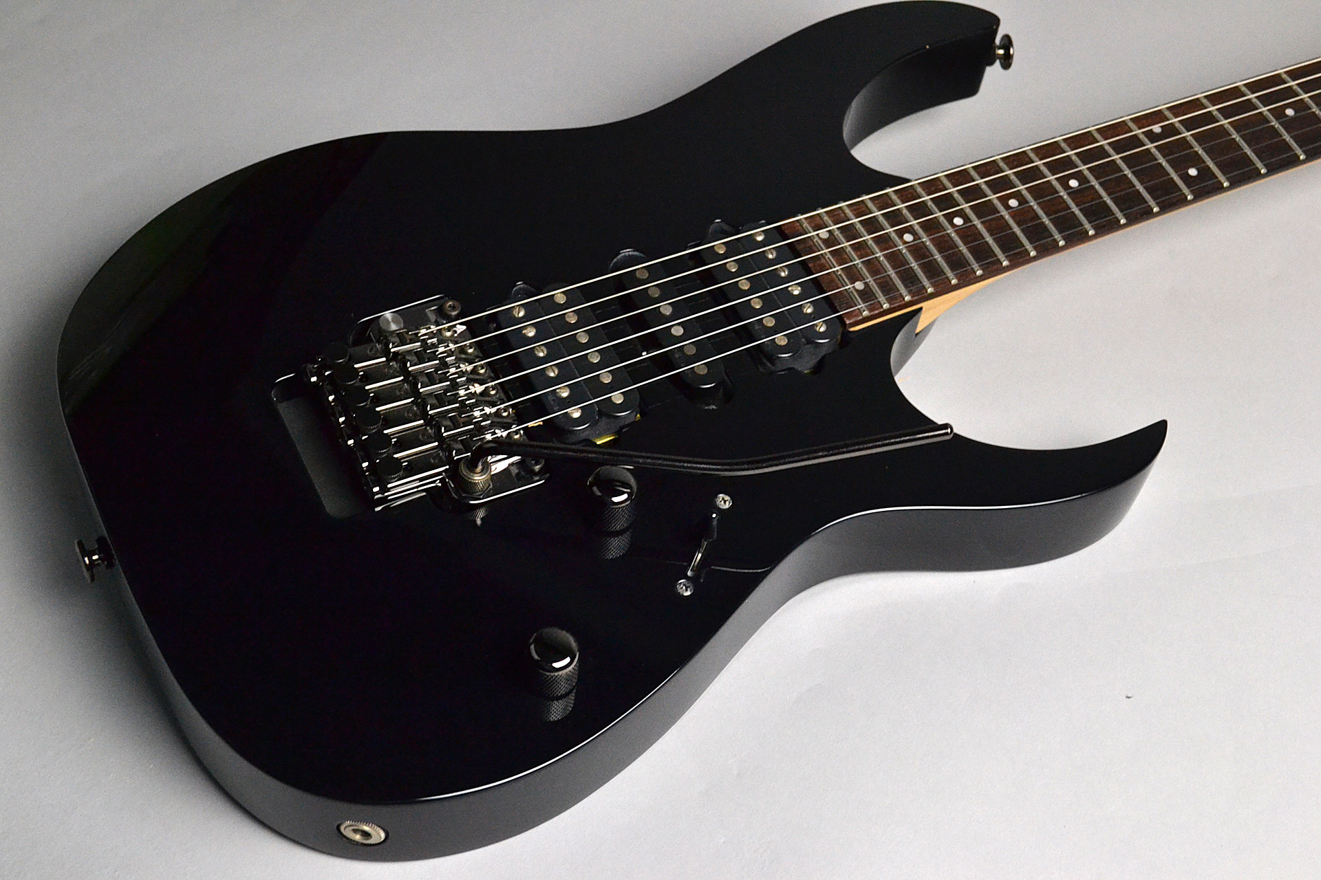 USED/ RG2570ZA MYM Prestige Mystic Night Metallicのボディトップ-アップ画像