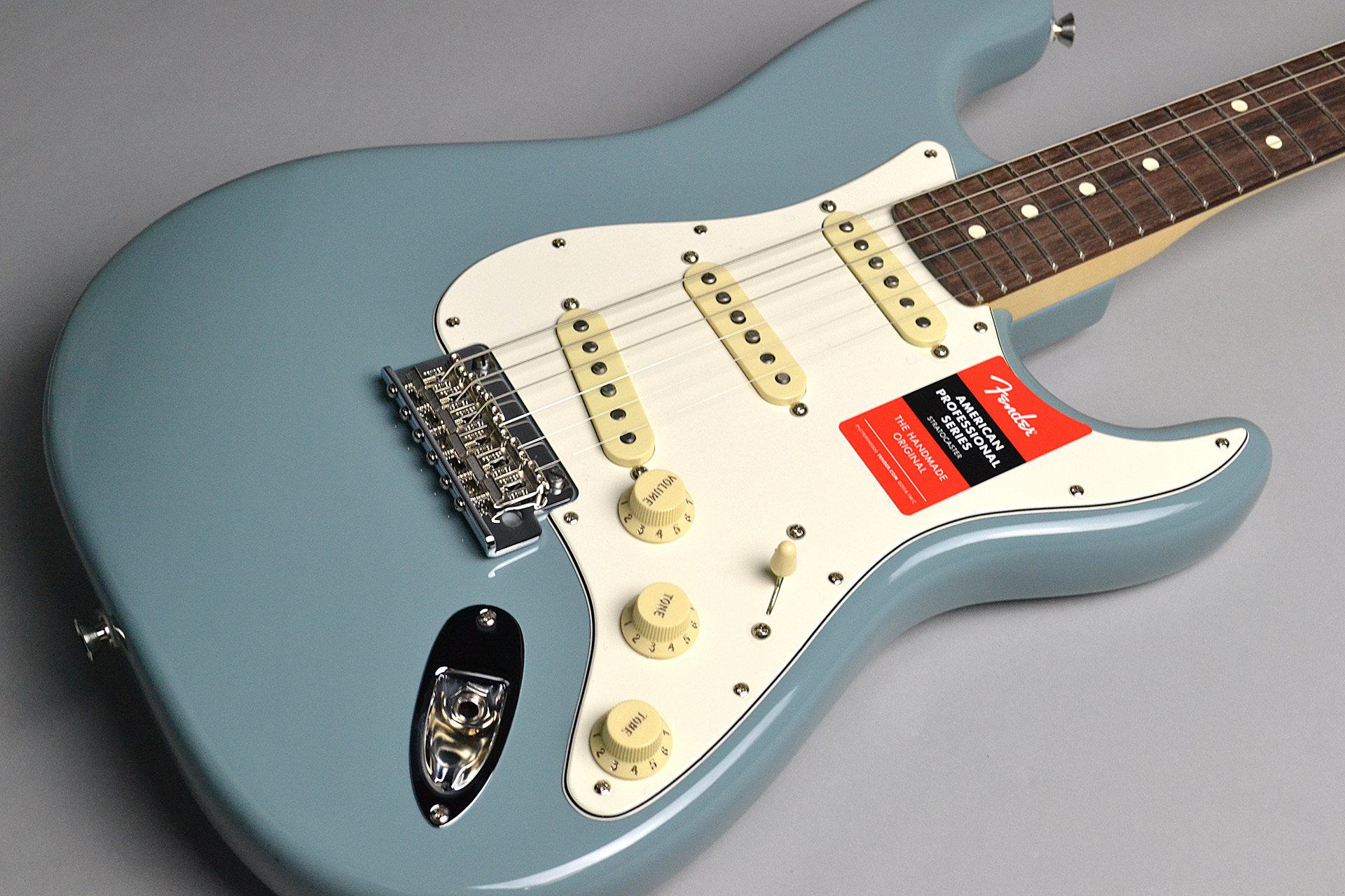 American Professional Stratocaster Sonic Grayのボディトップ-アップ画像