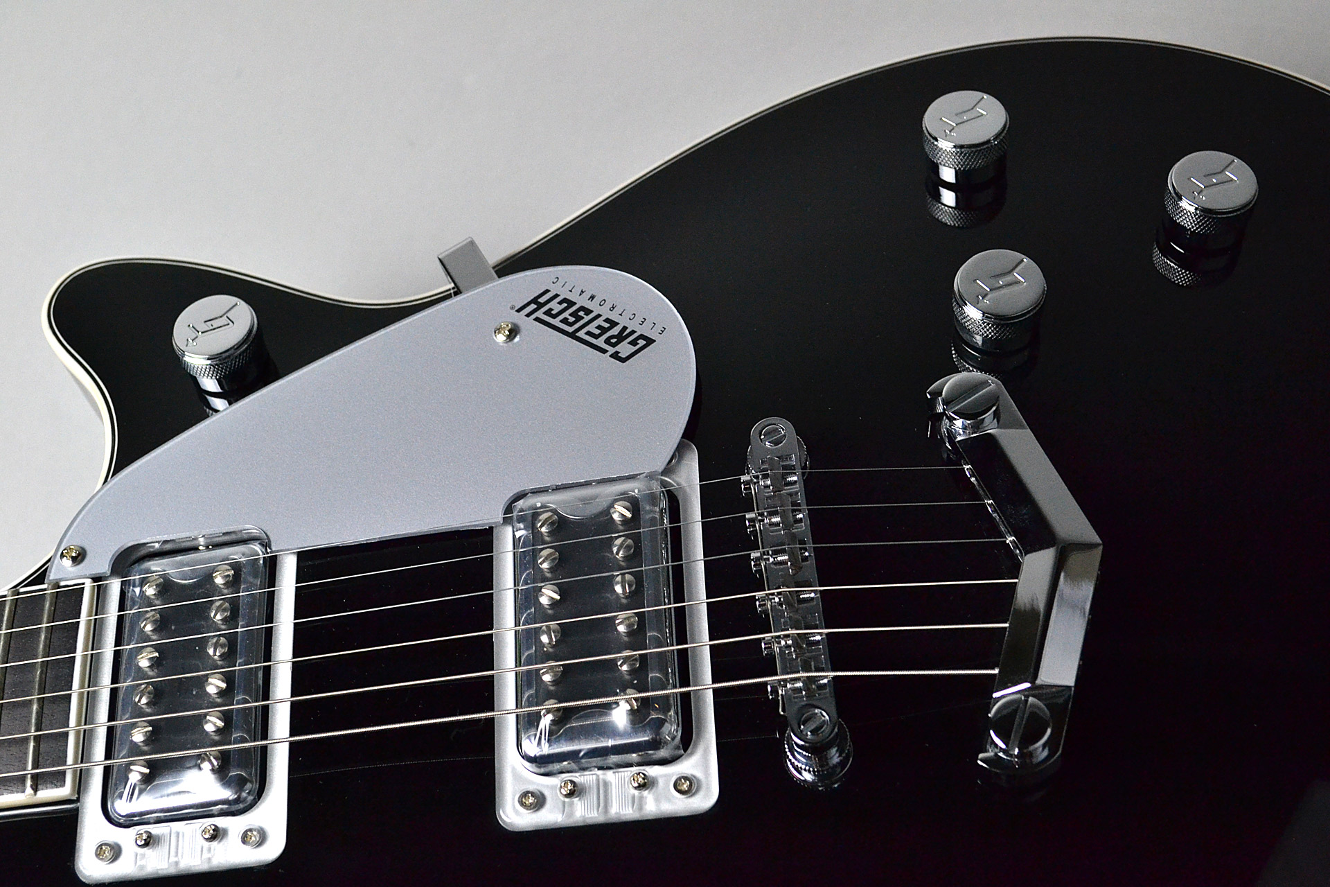 G5220 Electromatic Jet™ BT Single-Cut with V-Stoptail Blackのケース・その他画像
